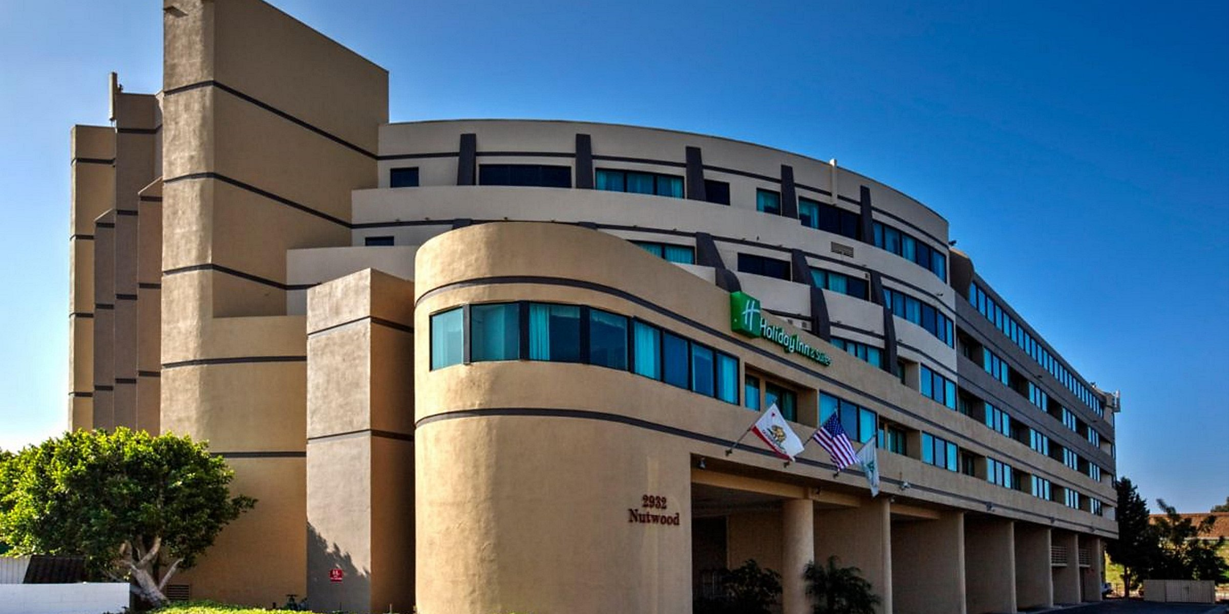 Hotels in Fullerton, CA | Holiday Inn & Suites Anaheim