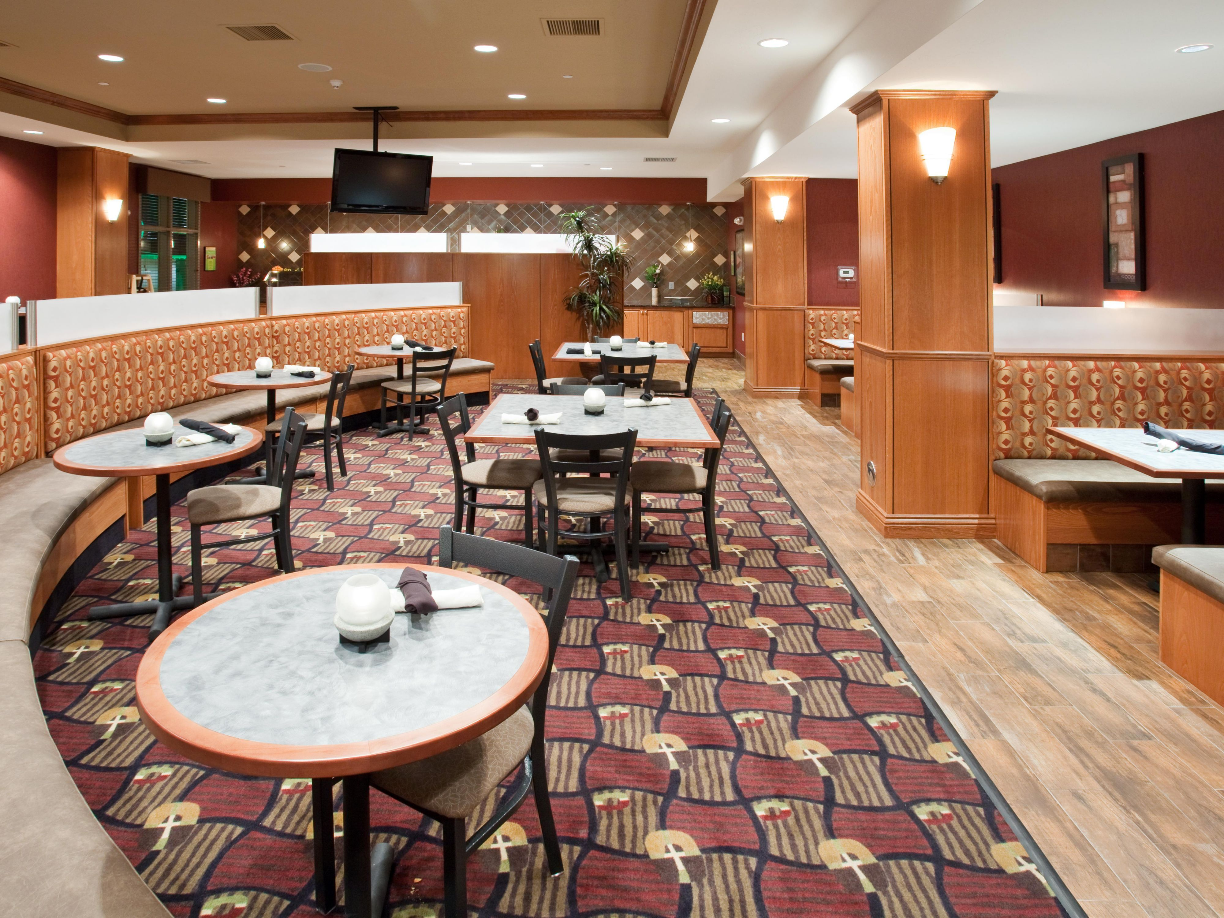 Enjoy a Cook to Order Breakfast Daily in the Grand Valley Grill