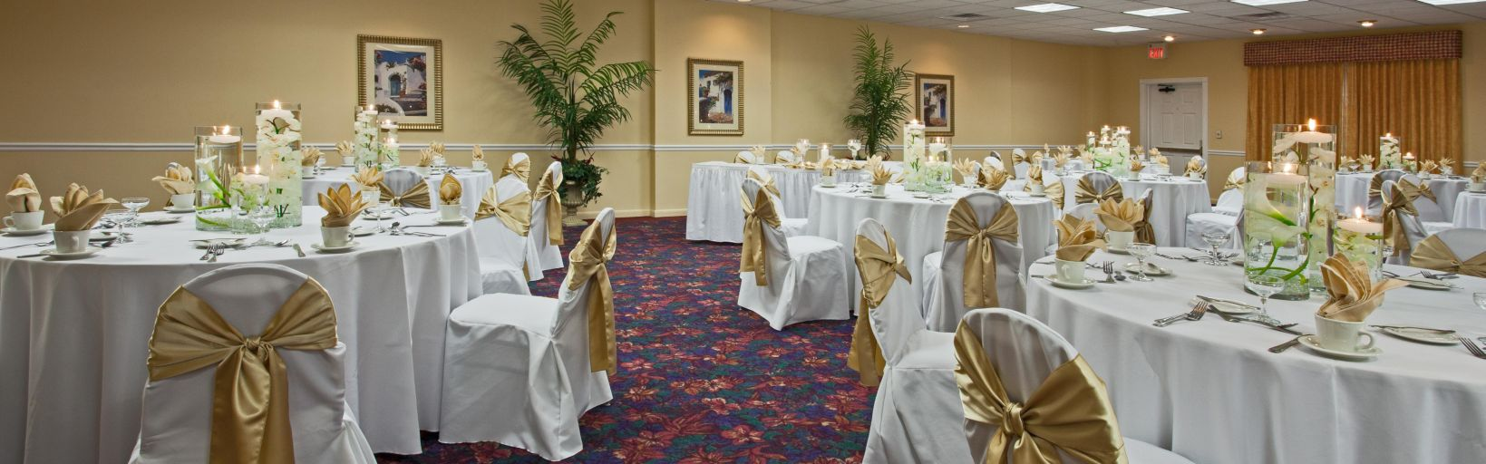 Our Pelican Sandpiper Room Is Perfect For Meetings And Weddings