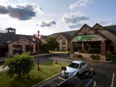Holiday Inn & Suites St. Paul NE - Lake Elmo
