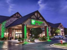 Holiday Inn Hotel & Suites St. Paul NE - Lake Elmo in Roseville, Minnesota