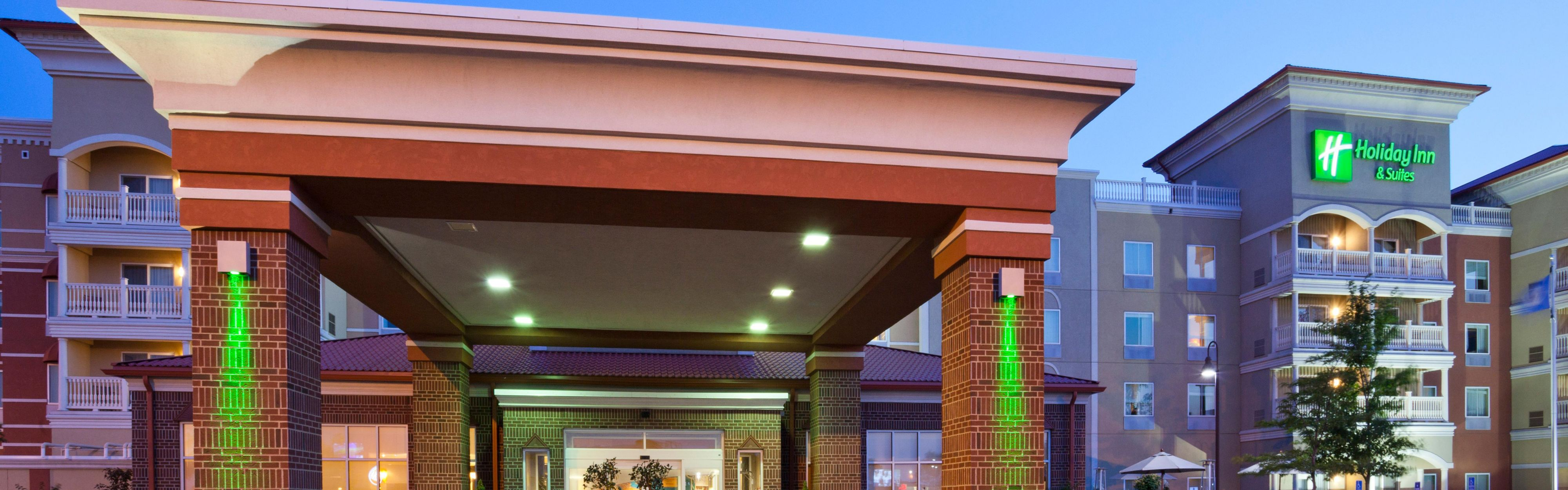 Maple Grove Hotels With An Indoor Waterpark Near Brooklyn Park Mn