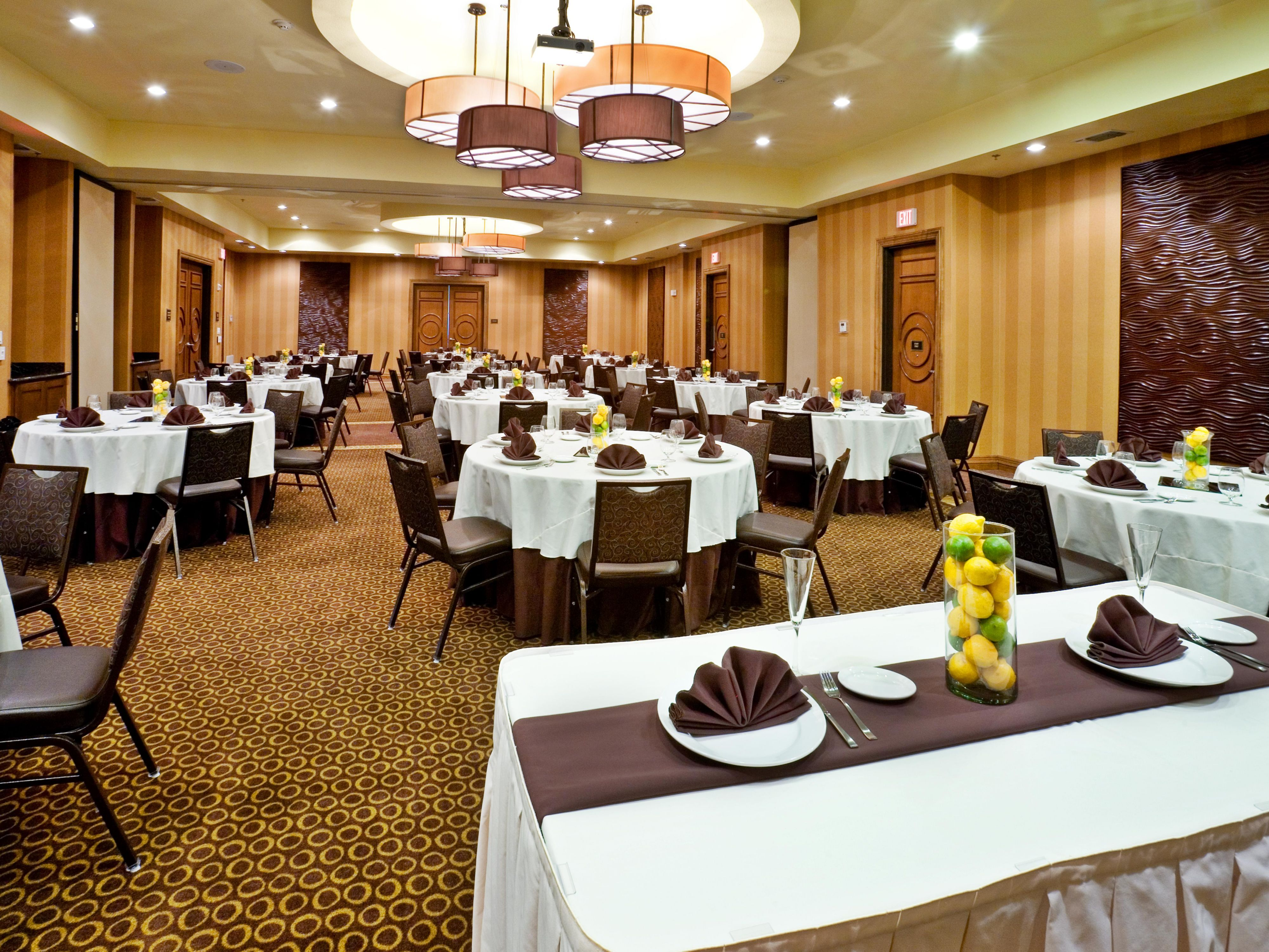 Up to 150 guests can enjoy the full banquet service.