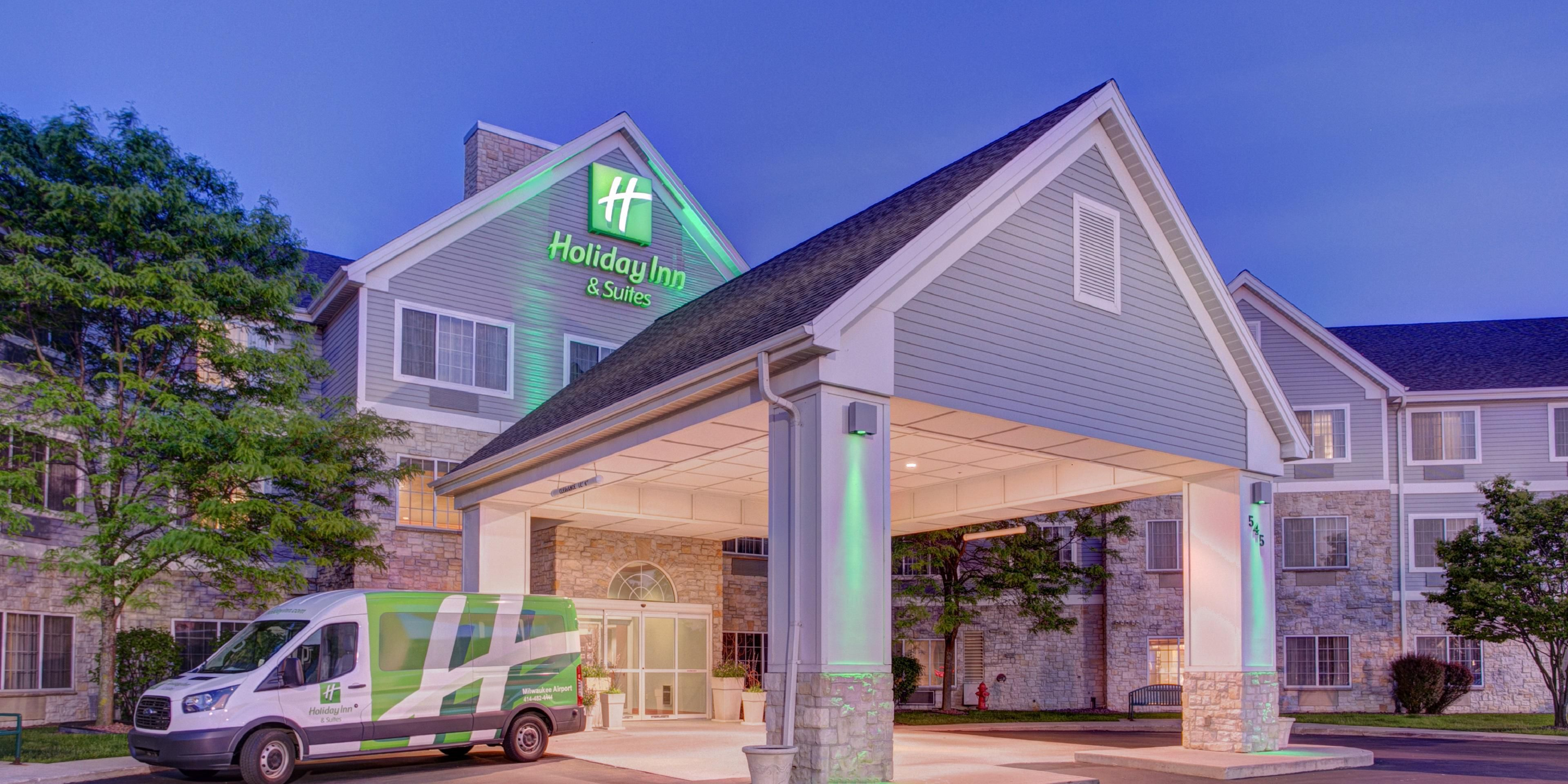 Milwaukee Airport Hotels with Pool | Holiday Inn & Suites ... on