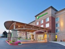 Holiday Inn & Suites Oakland - Airport in Dublin, California