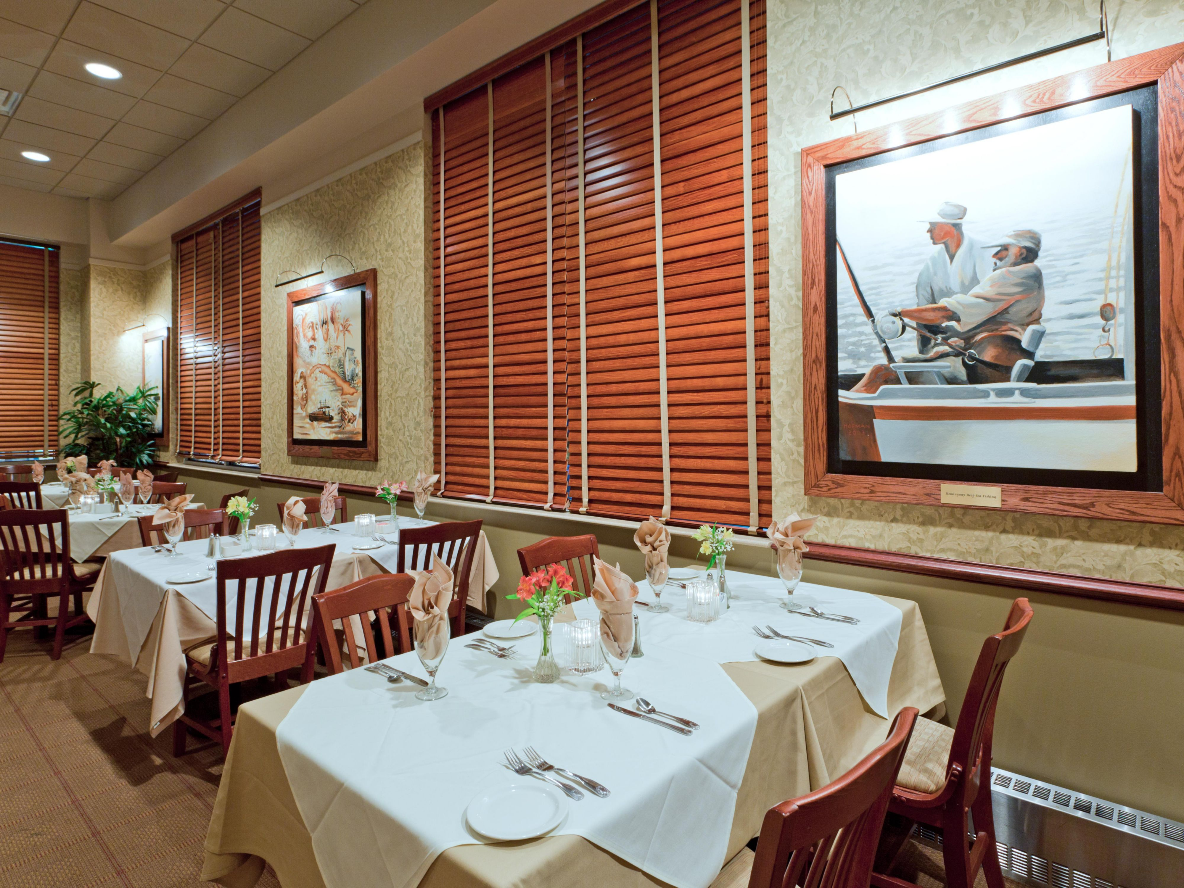Hemingways Restaurant is located off the main lobby.