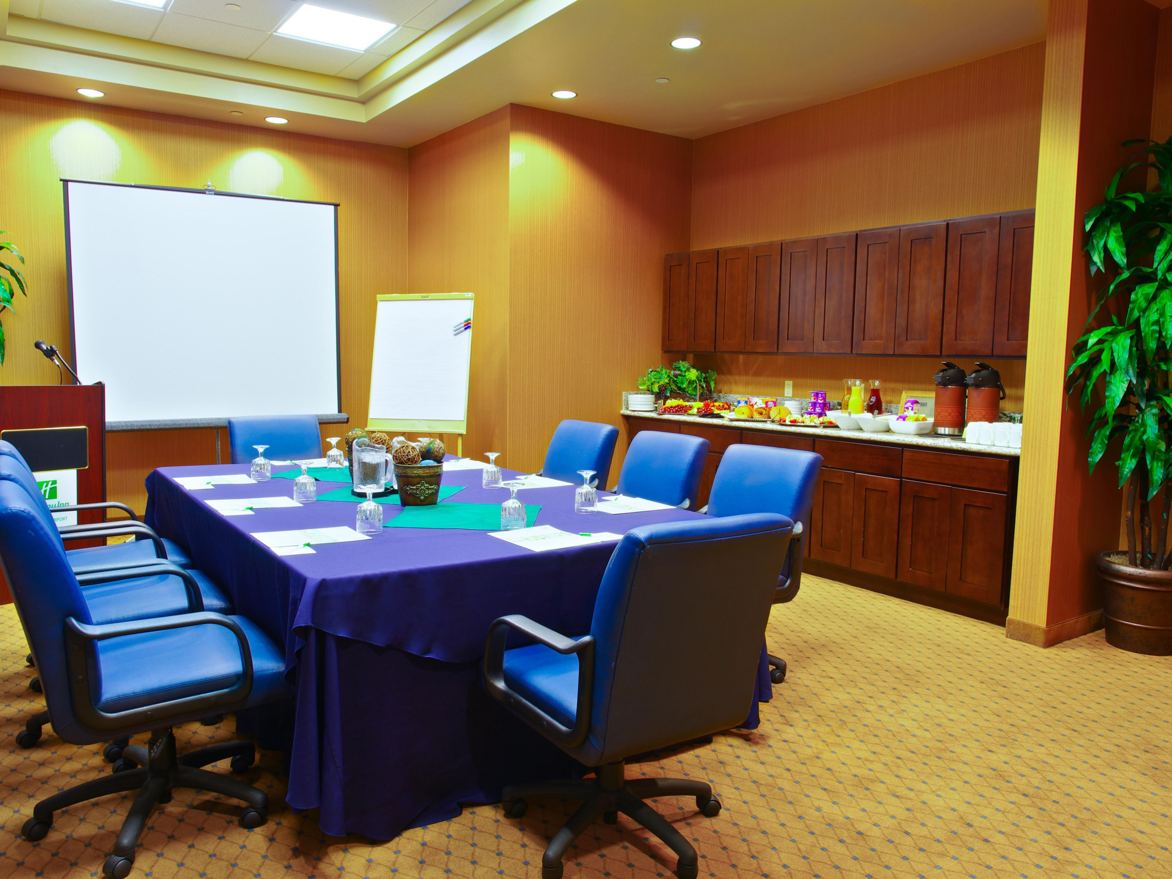 Boardroom for smaller meetings or break outs