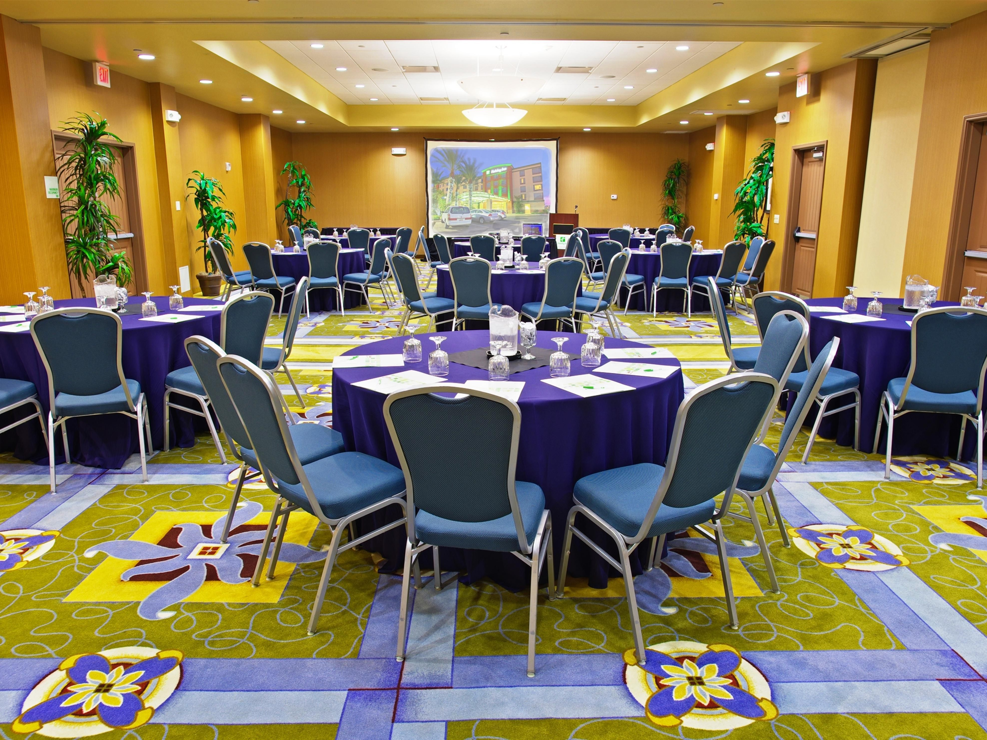 Ballroom to accommodate meetings and events of up to 120 guests
