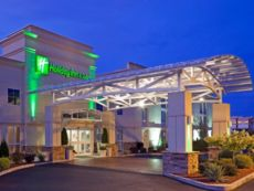 Holiday Inn & Suites Rochester - Marketplace in Batavia, New York
