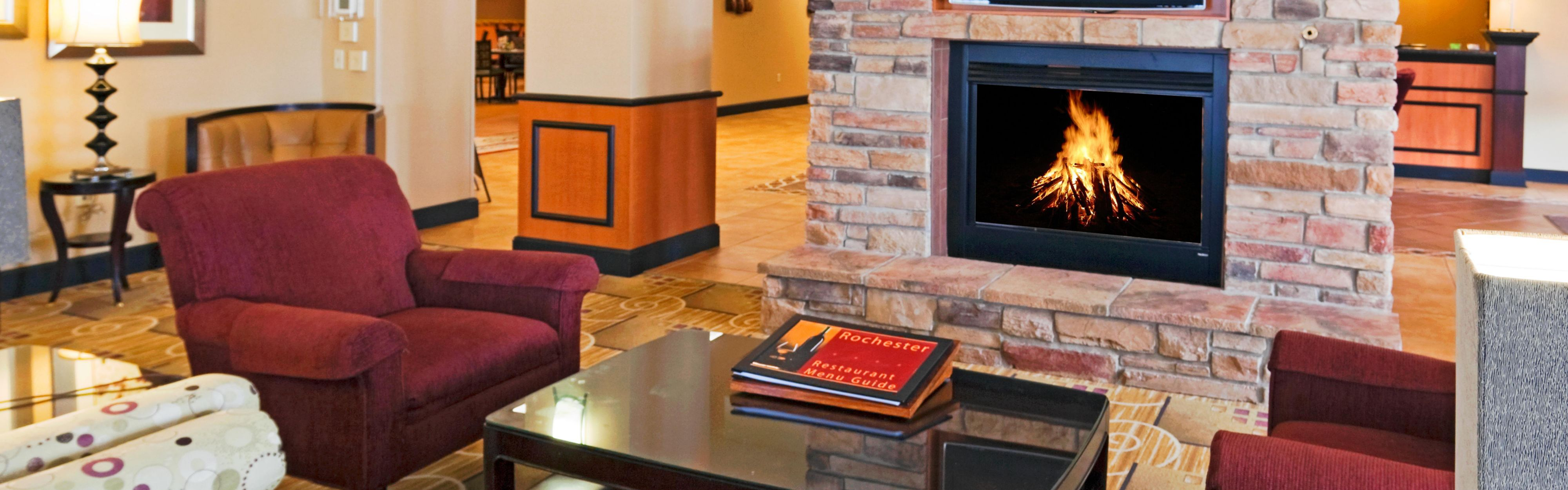 1 bedroom apartments for rent in rochester ny%0A     Lobby Lounge  Double Queen Guest Room