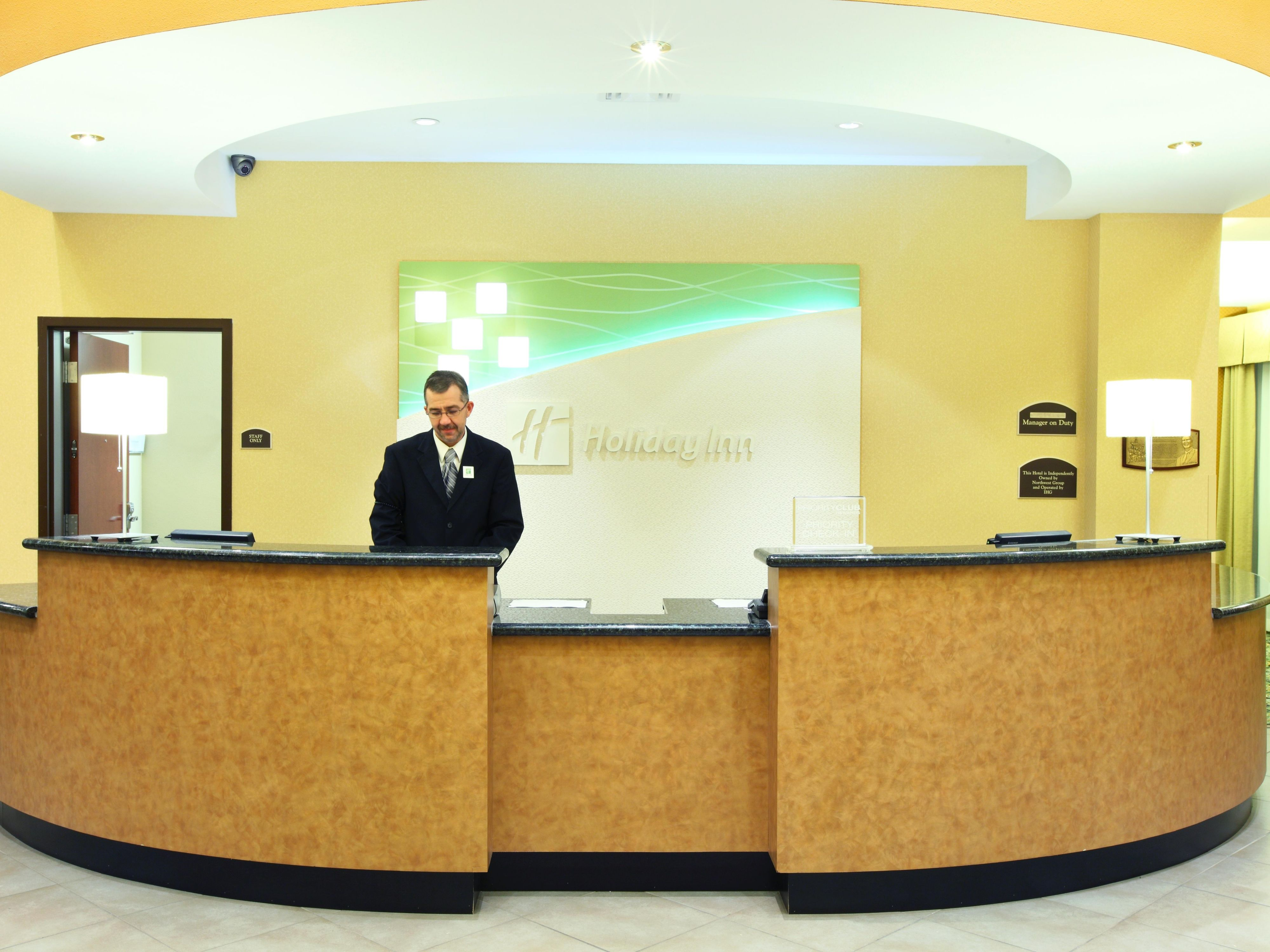 Holiday Inn & Suites Rogers at Pinnacle Hills Reception