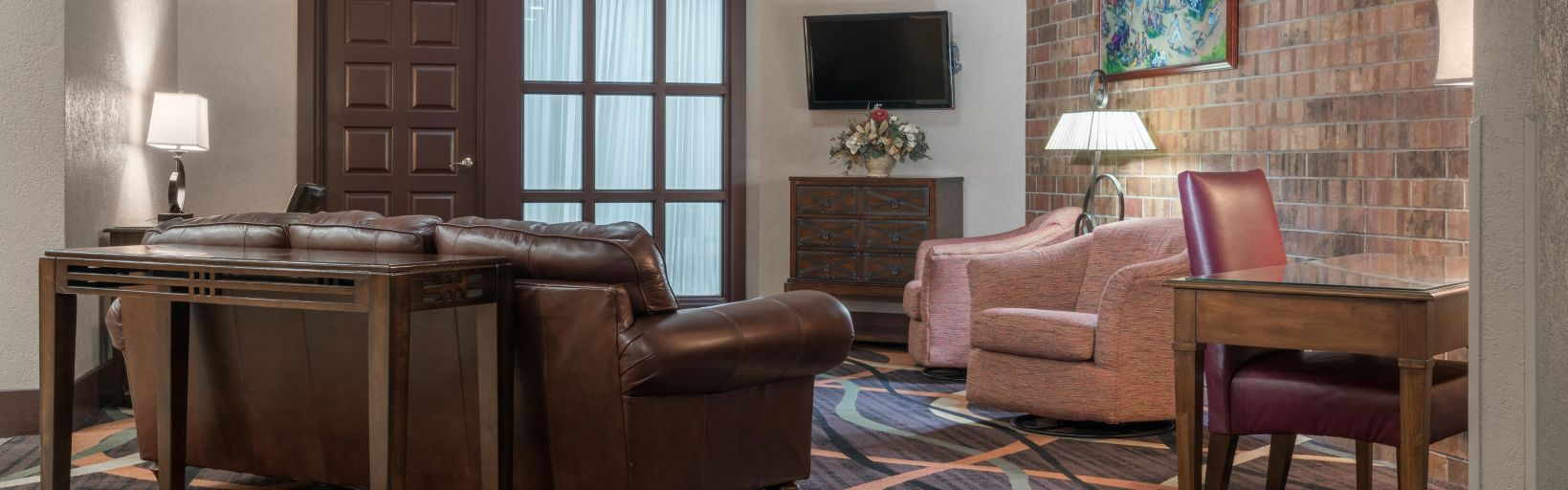 Enjoy Wireless High Sd Internet Access Throughout The Property