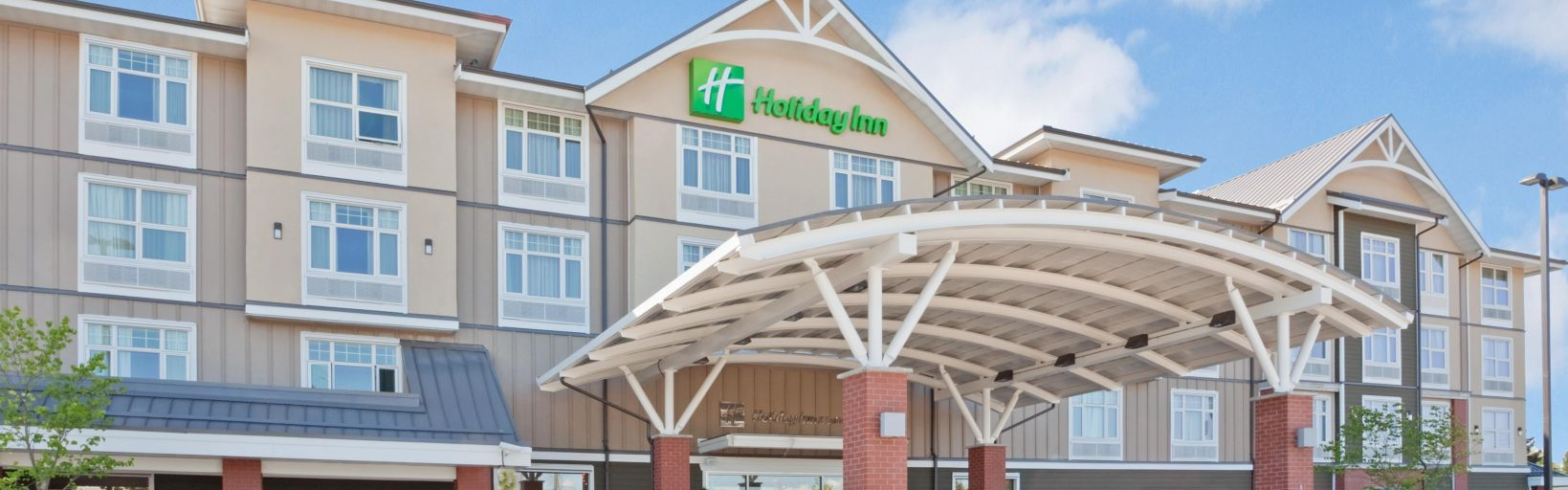 Holiday Inn Suites Hotel Surrey Bc