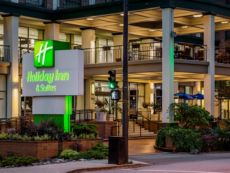 Holiday Inn & Suites Vancouver Downtown in Surrey, British Columbia