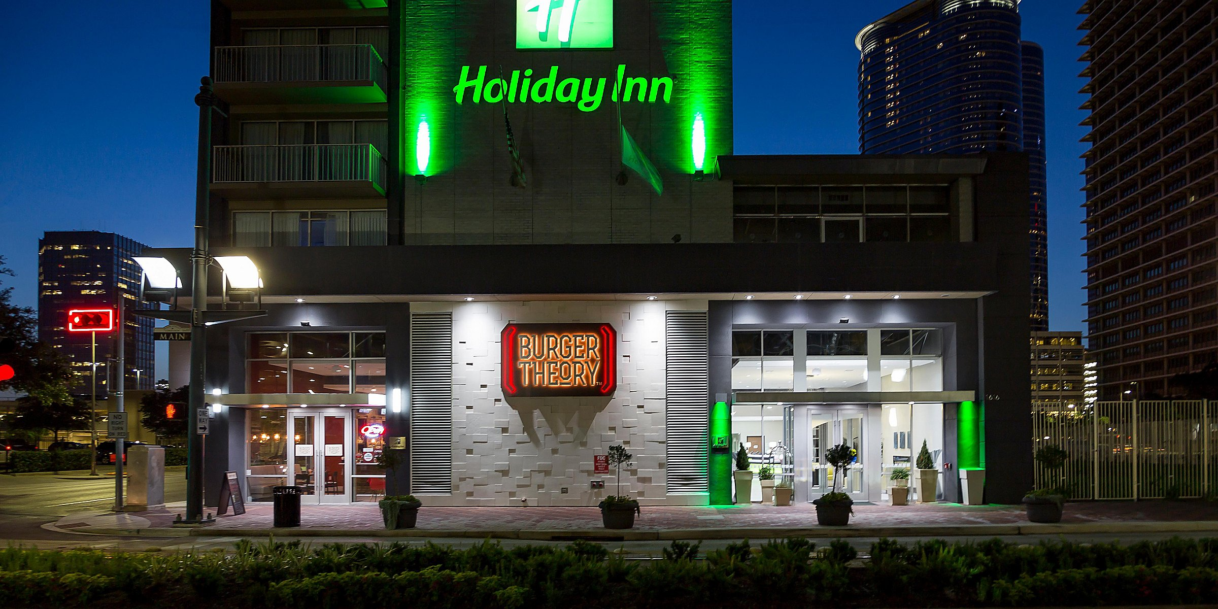 Downtown Houston Hotels Near Toyota Center | Holiday Inn ... on