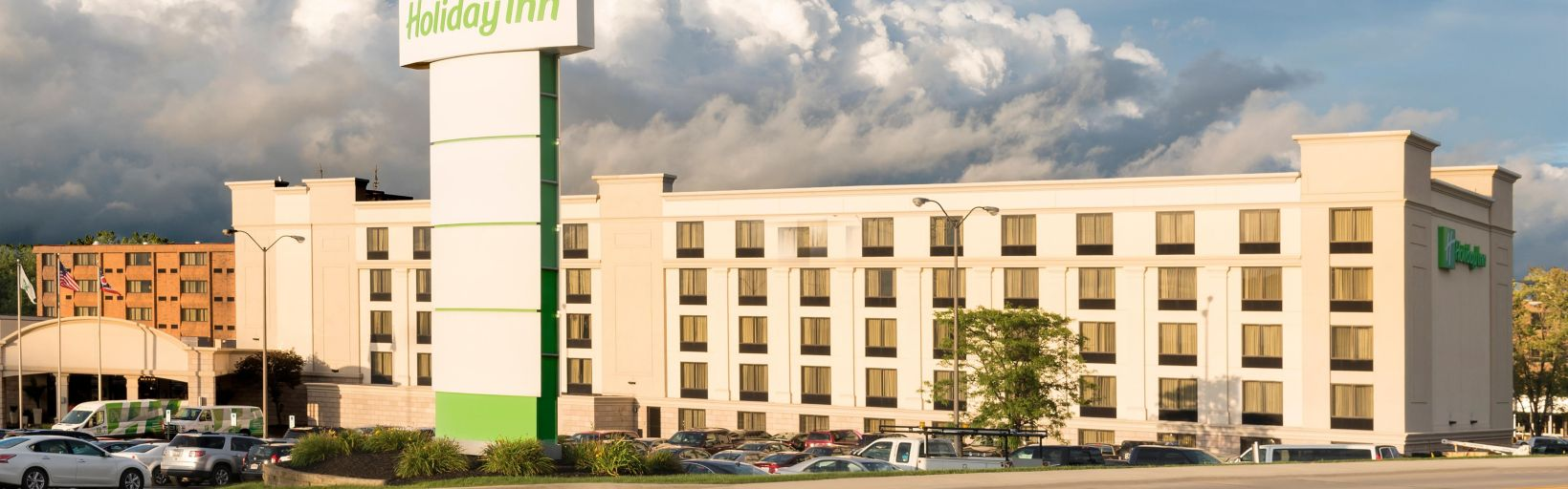 Exterior Feature Welcome To The Holiday Inn Cleveland South Independence