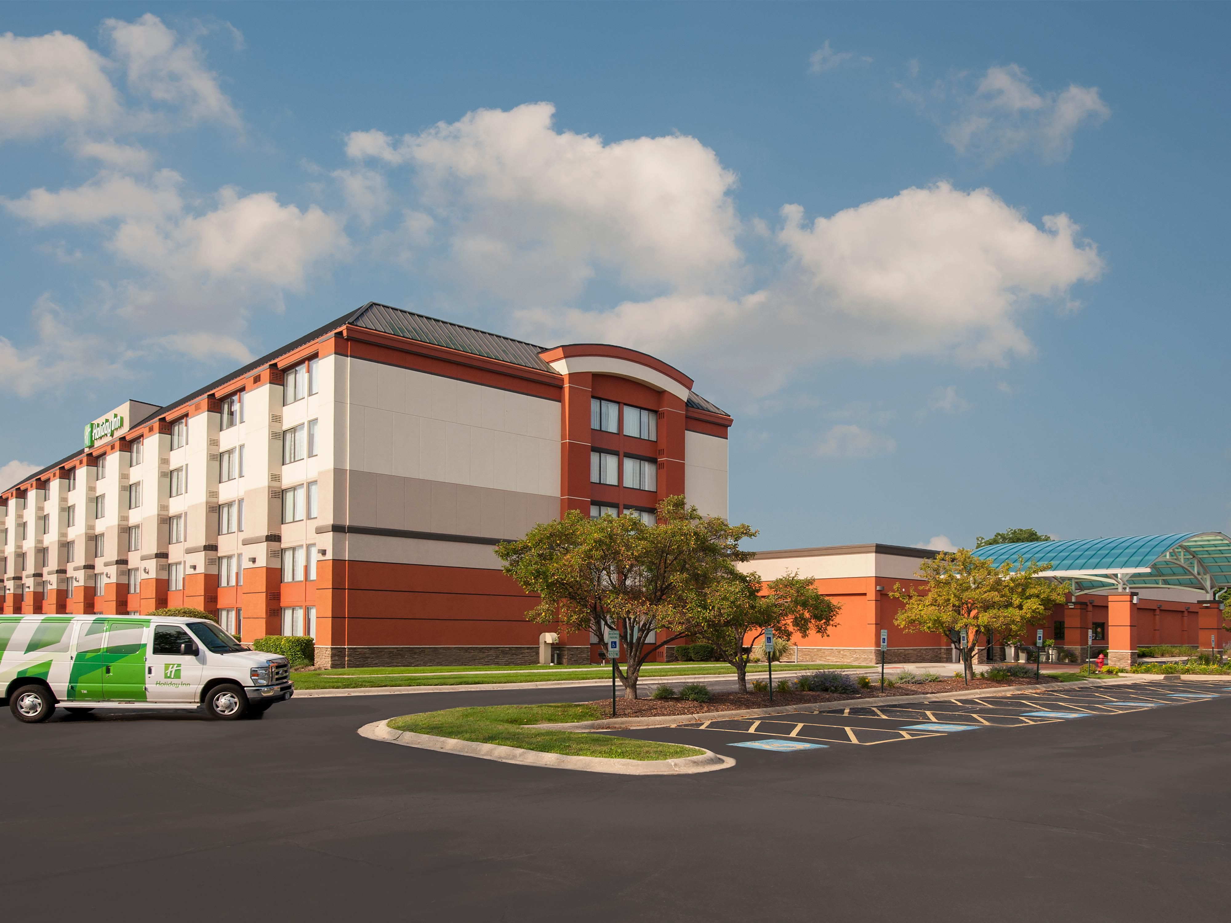 Holiday Inn Chicago West Itasca Located in Itasca, IL