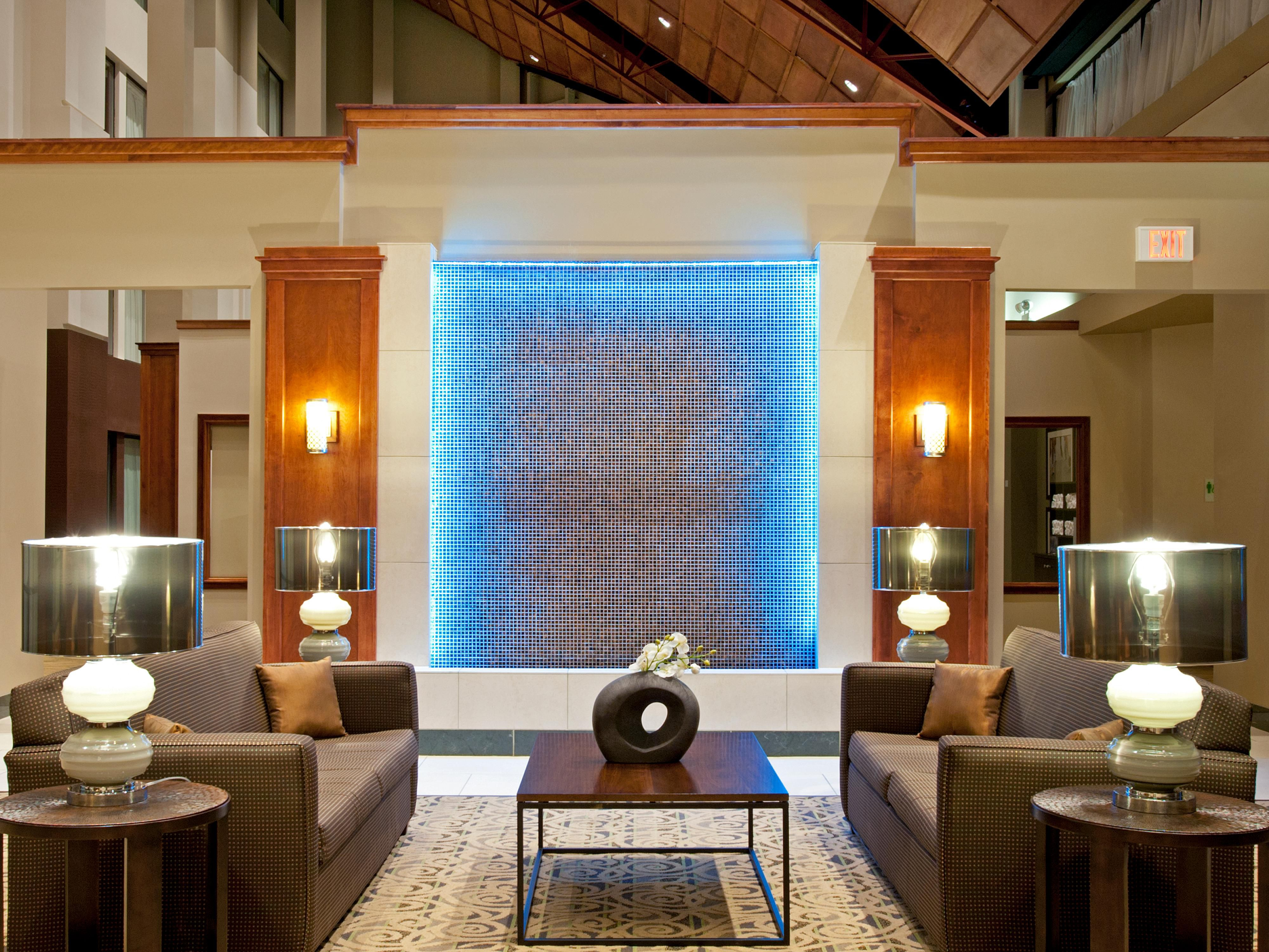 Dramatic Water Feature - Holiday Inn Itasca Lobby