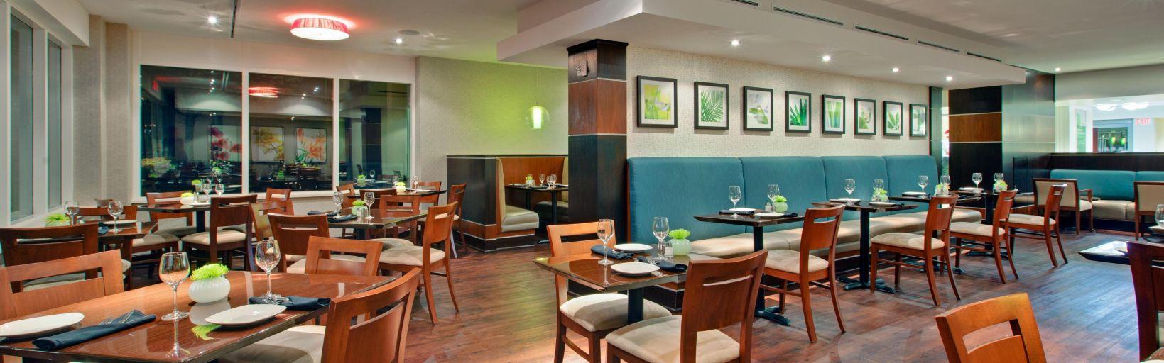 On Site Dox Restaurant Lounge