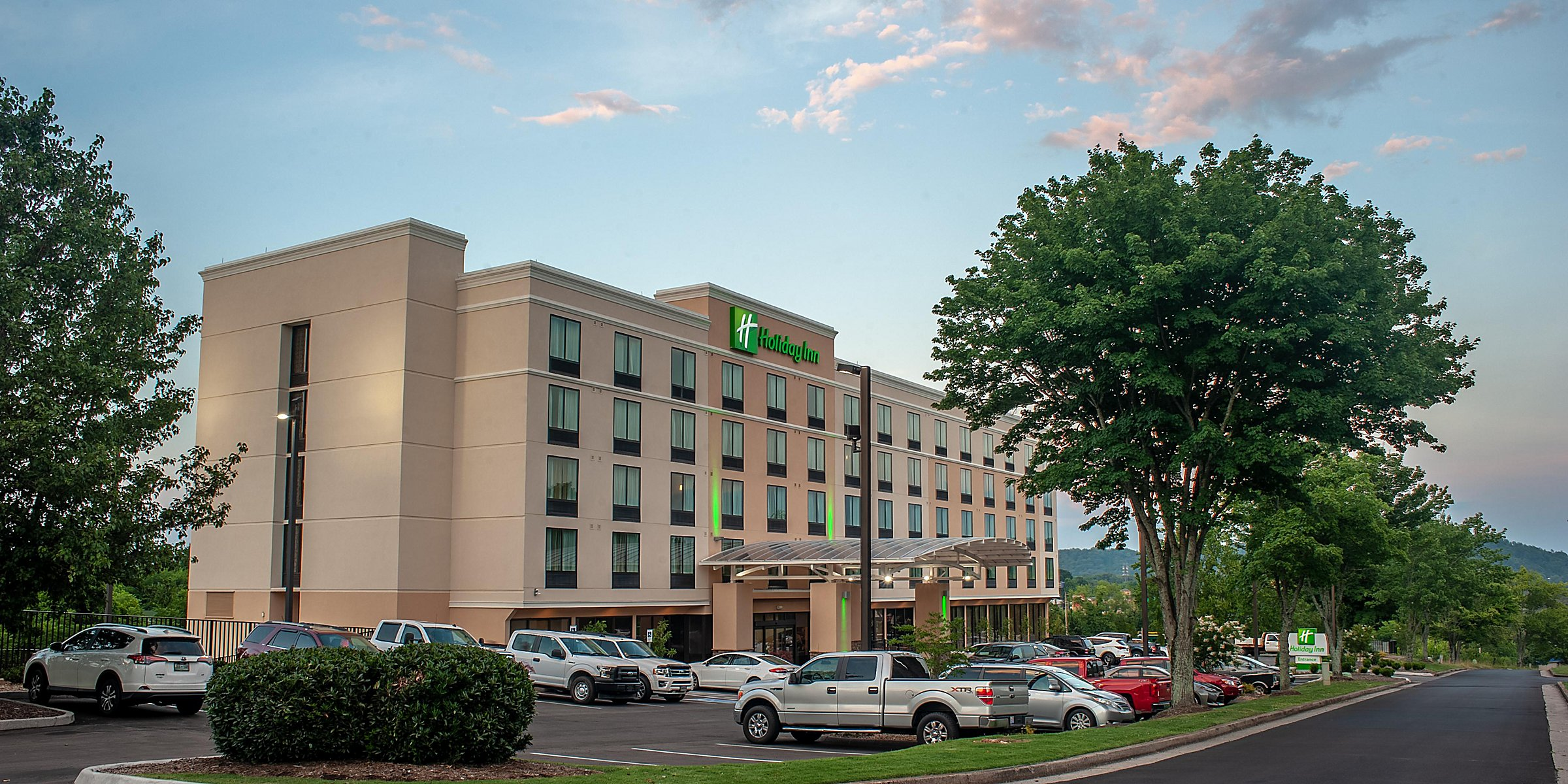 Hotels Near Knoxville Convention Center | Holiday Inn