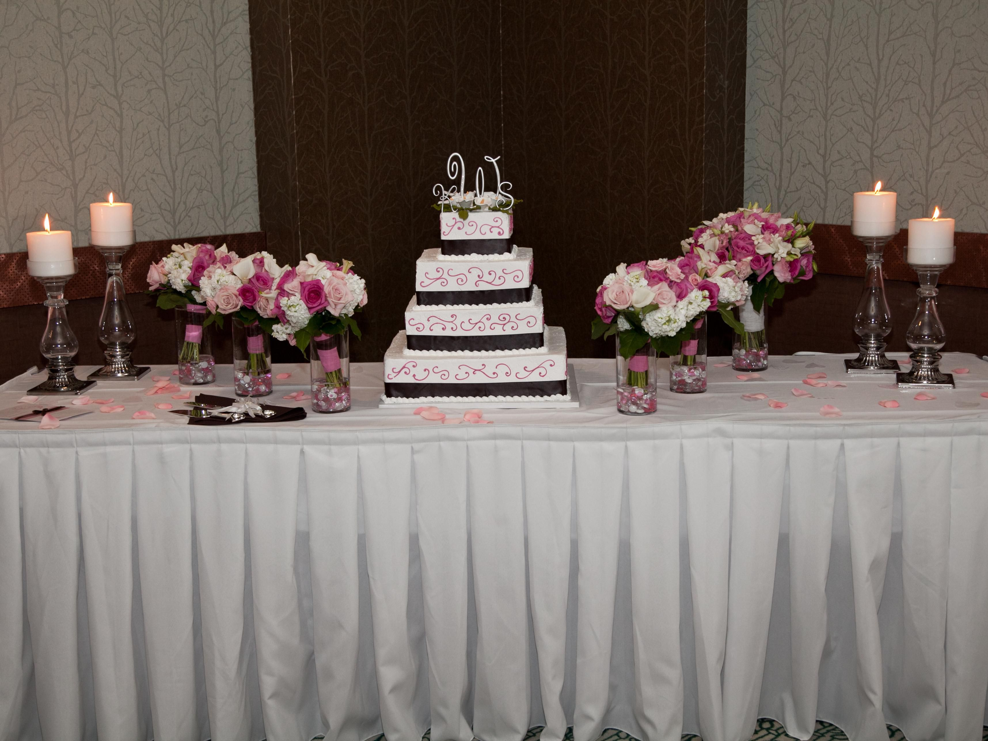 Our Banquet Team can work with you to give you your Dream Wedding!