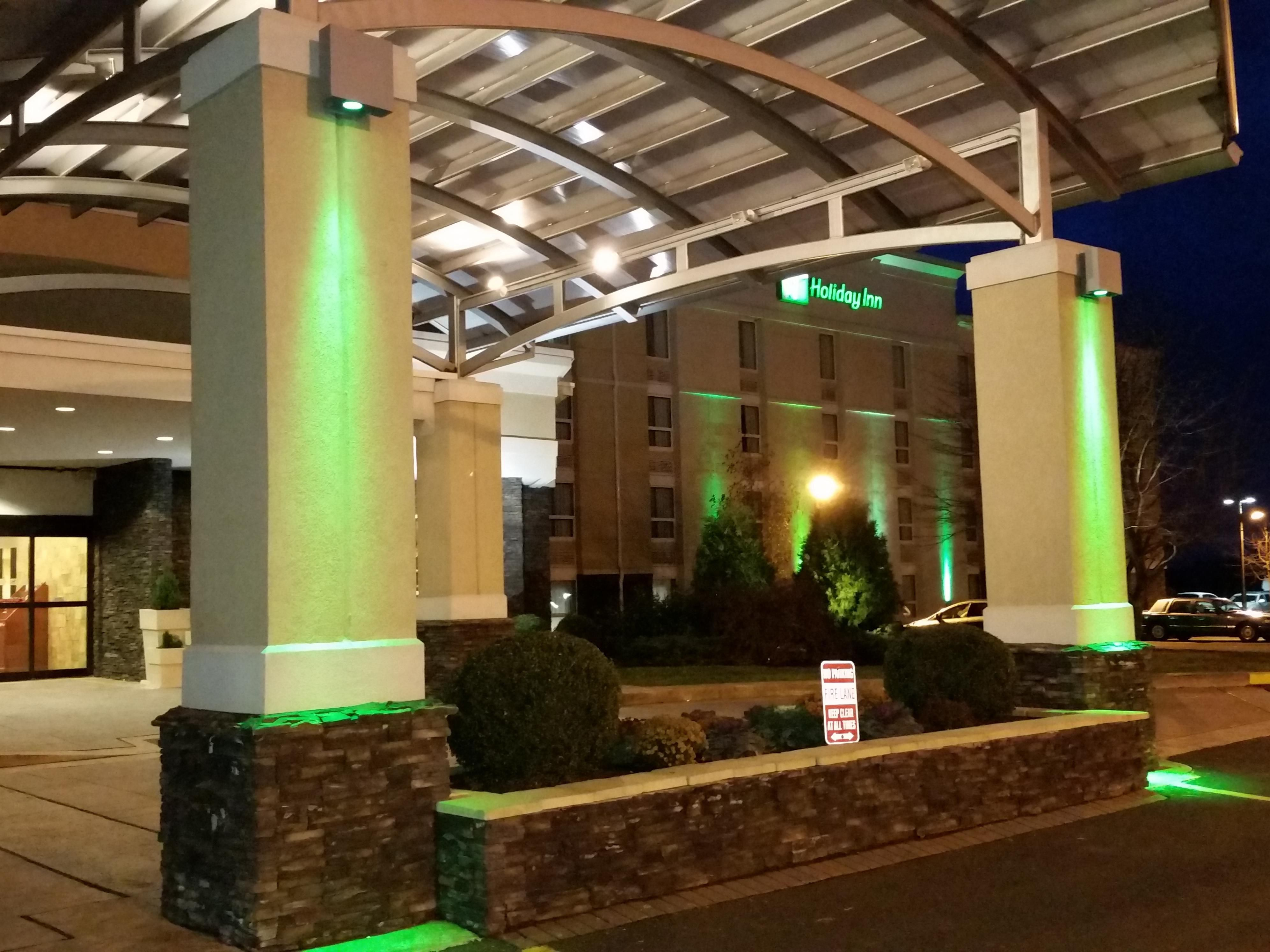 Our recently renovated Holiday Inn has 182 guest rooms
