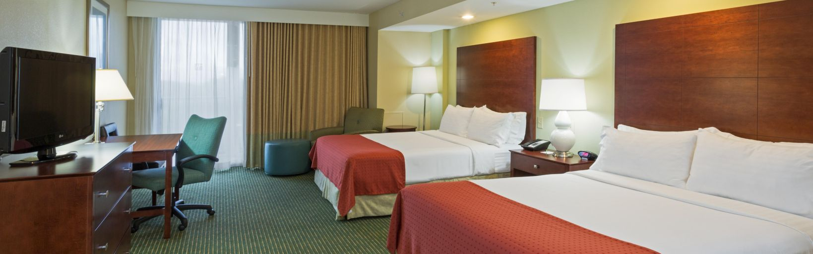 downtown disney orlando hotel holiday inn lake buena vista