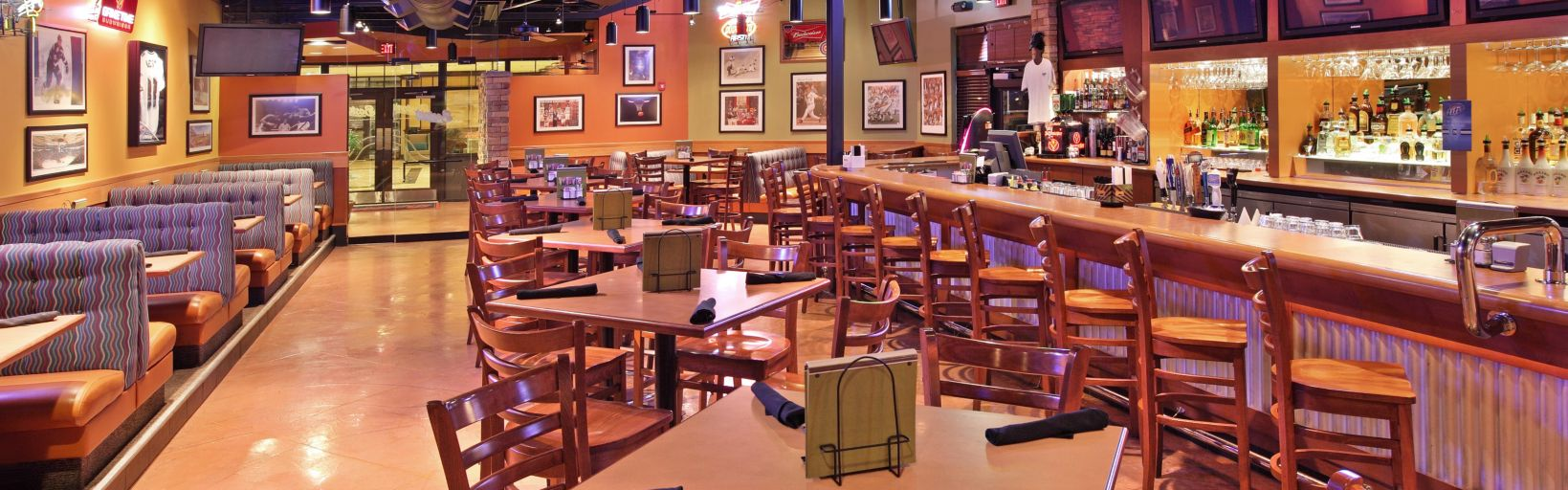 Boston 39 S Restaurant And Sports Bar Has Terrific