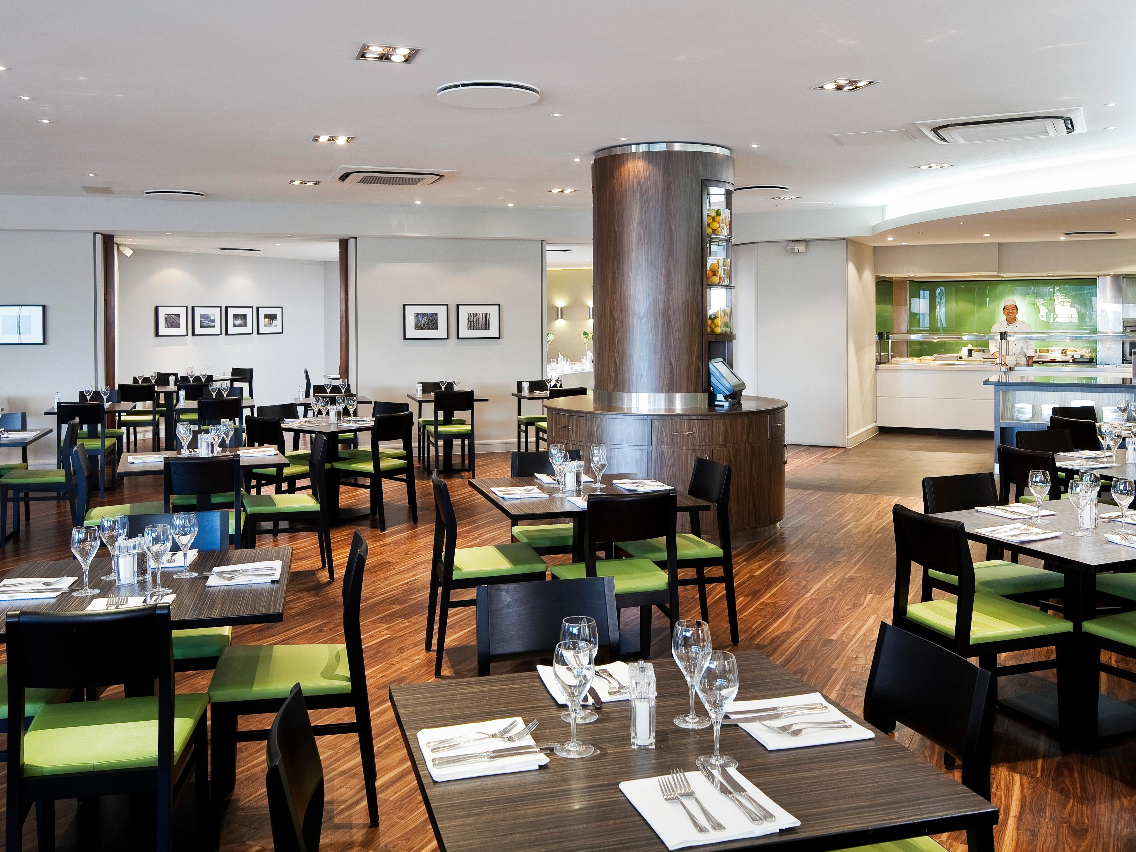 LONNO-Holiday Inn London Heathrow M4 Jct 4-Main Restaurant