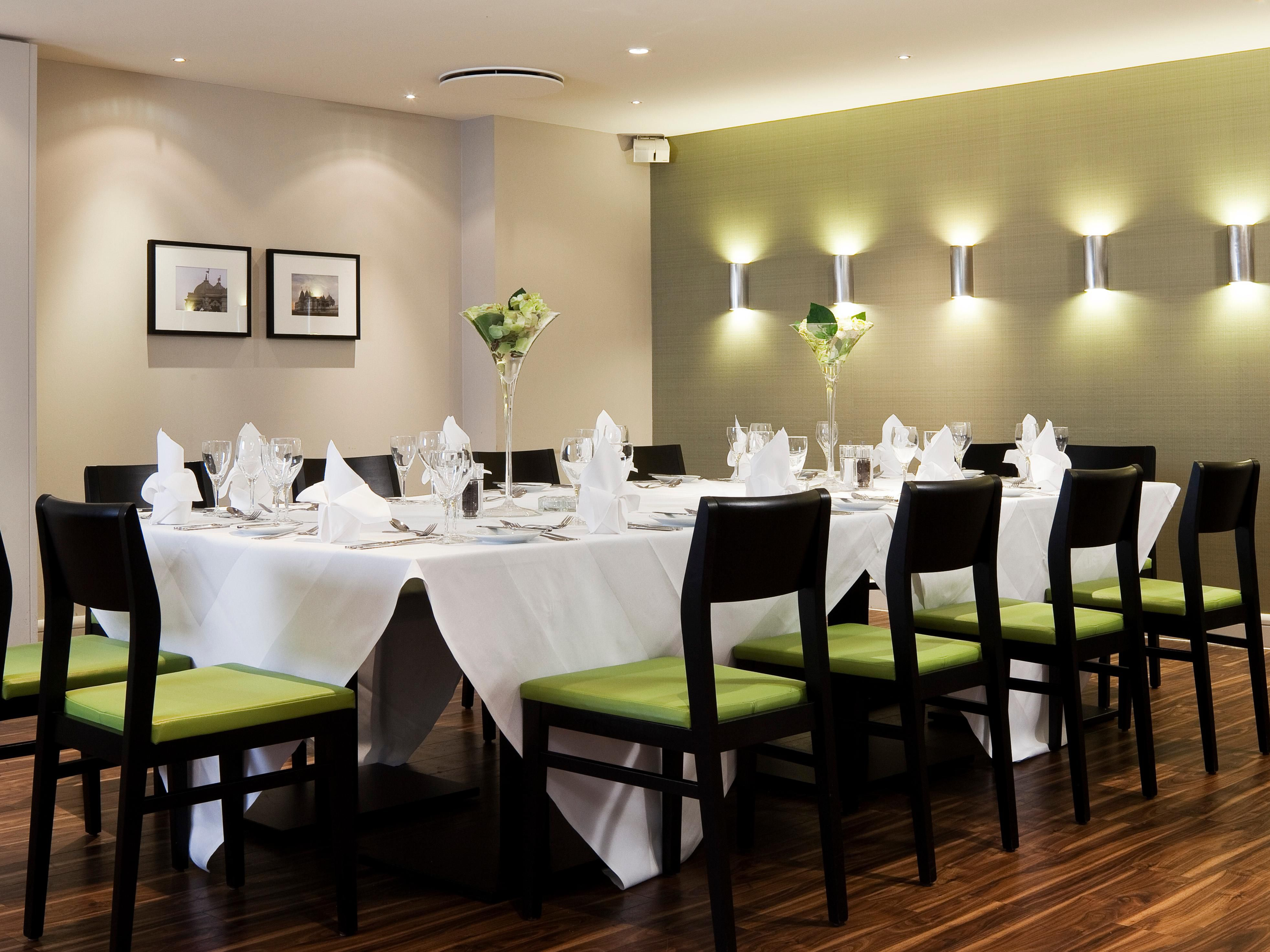 LONNO-holiday inn london haethrwo m4 jct 4-Restaurant