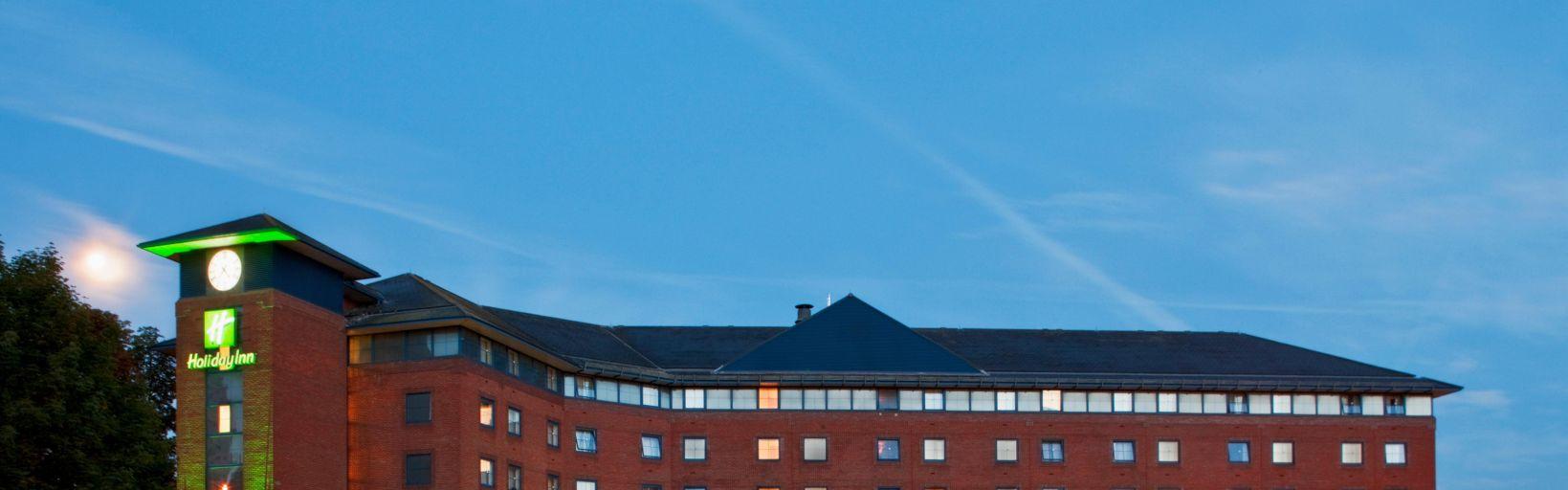 Evening At Holiday Inn London Sutton