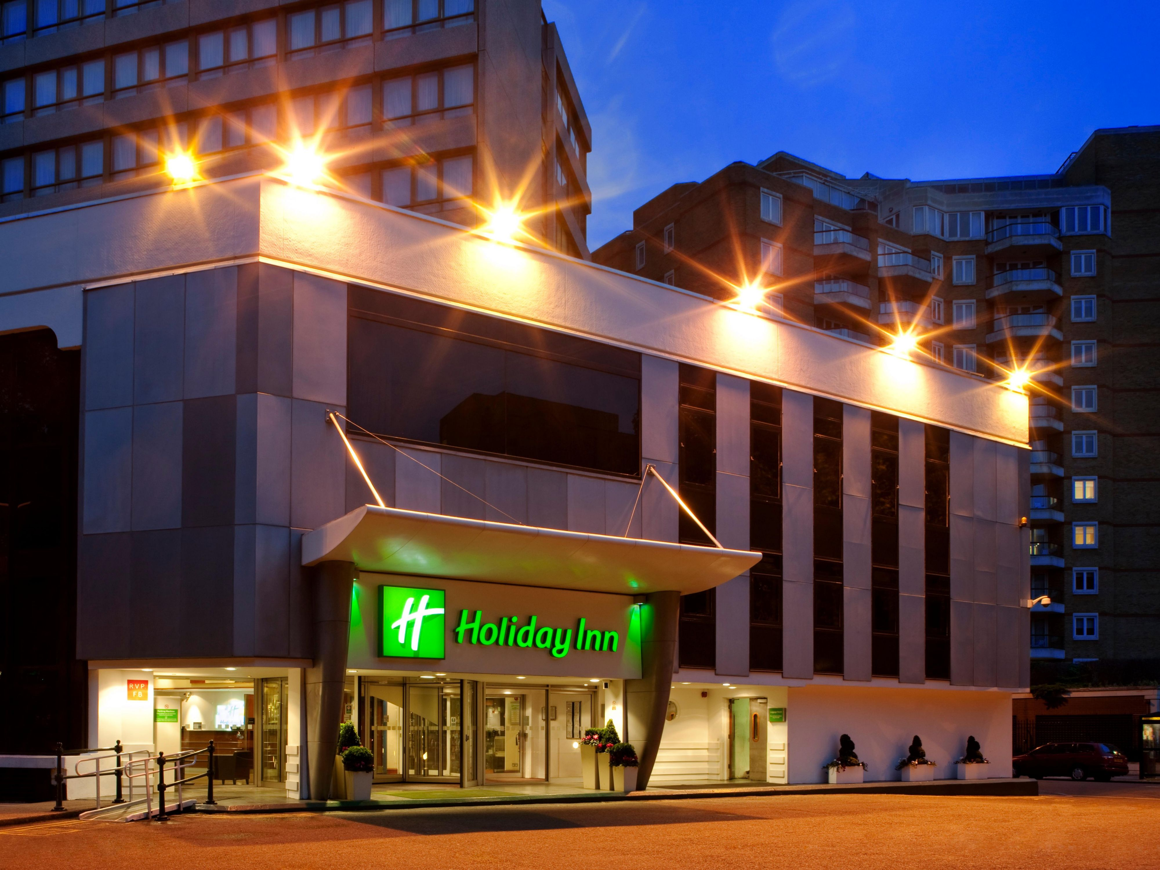 Holiday Inn Kensington Forum Hotel Entrance - Night