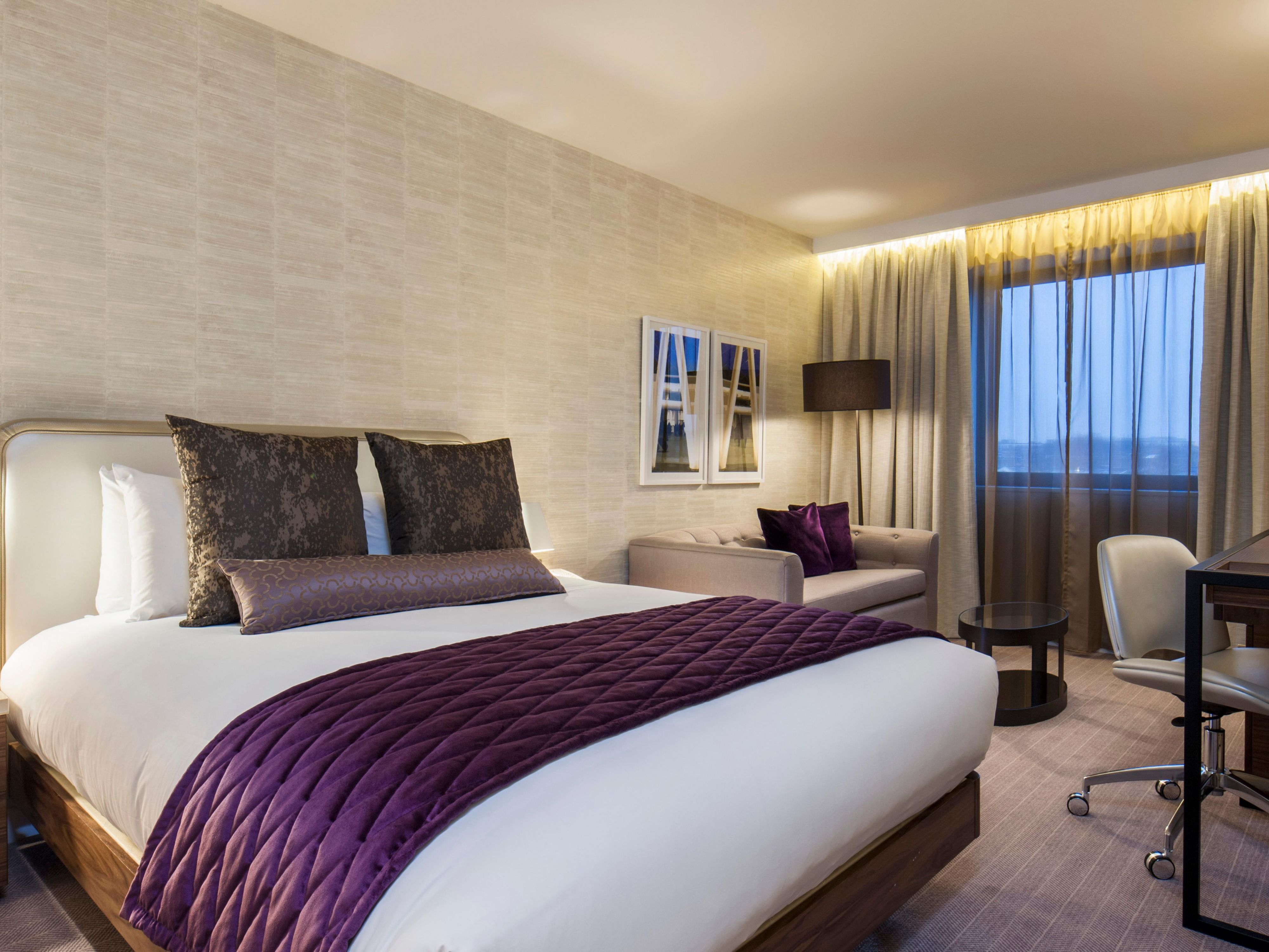 Hotel london cheap internet rates for kings cross hotels in london - Ihg Crowneplaza Components Photogallery Roomphotos Primary