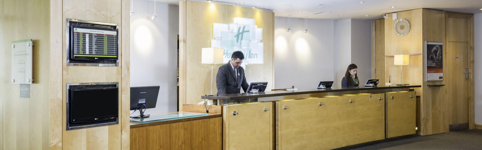 Airport Hotel Holiday Inn London Heathrow Ariel