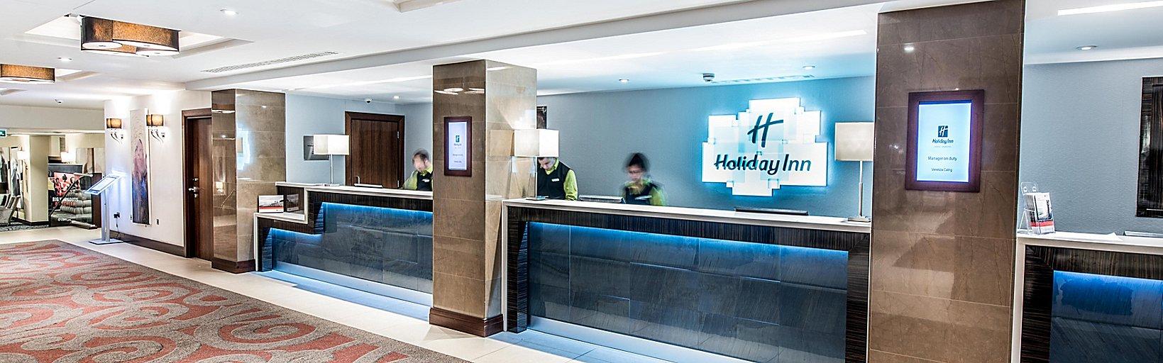 44389f1baa7e Hotel With Pool  Holiday Inn London - Kensington High St.