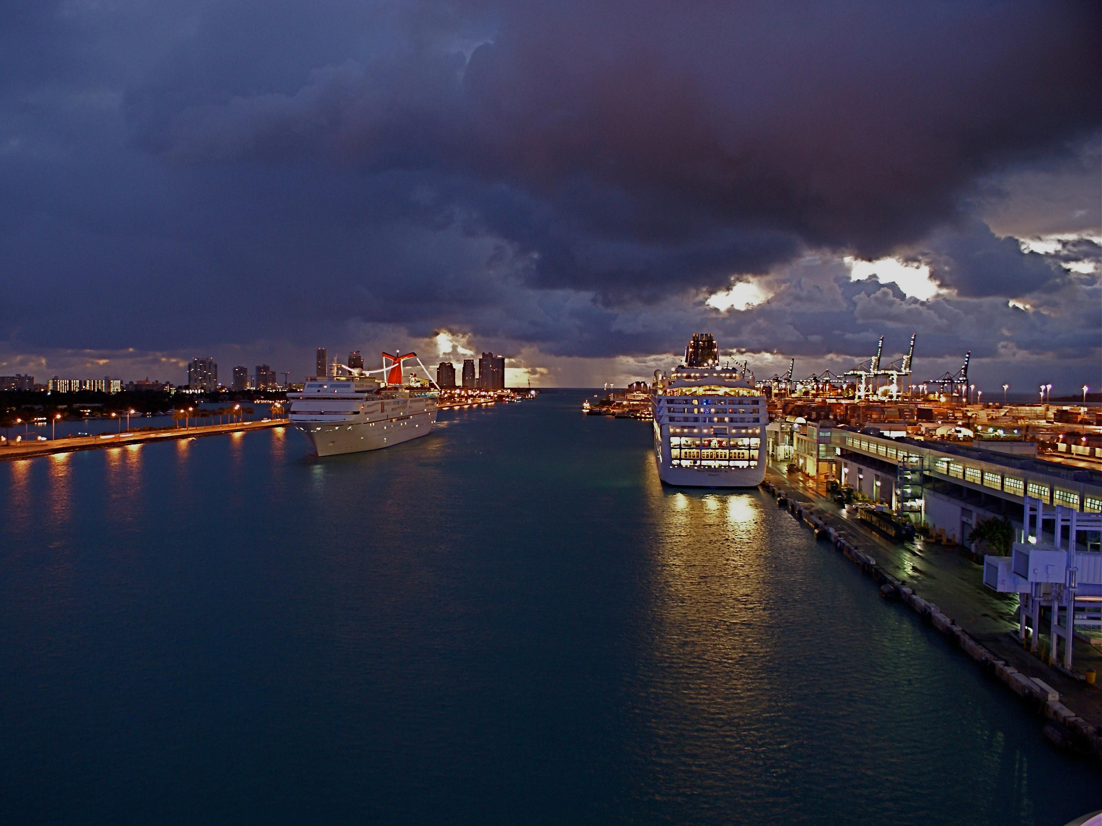 Arriving Cruise Ships Port of Miami near Holiday Inn Miami Beach