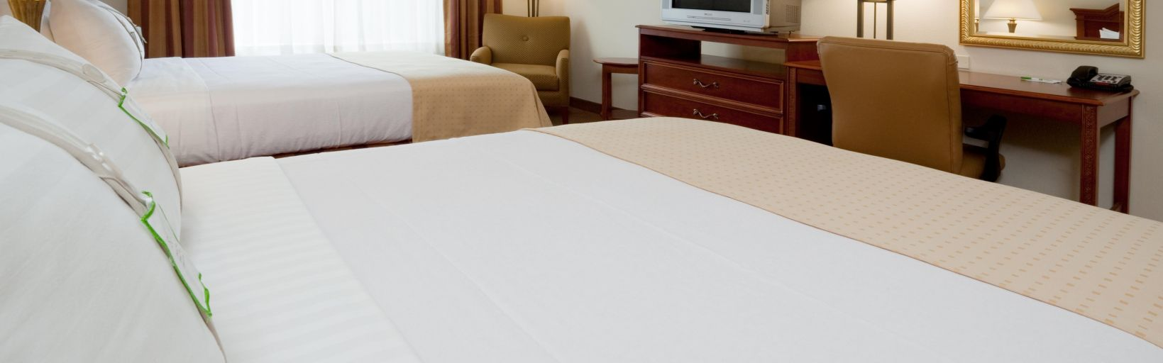 Holiday Inn Raleigh-Durham Airport - Room Pictures & Amenities