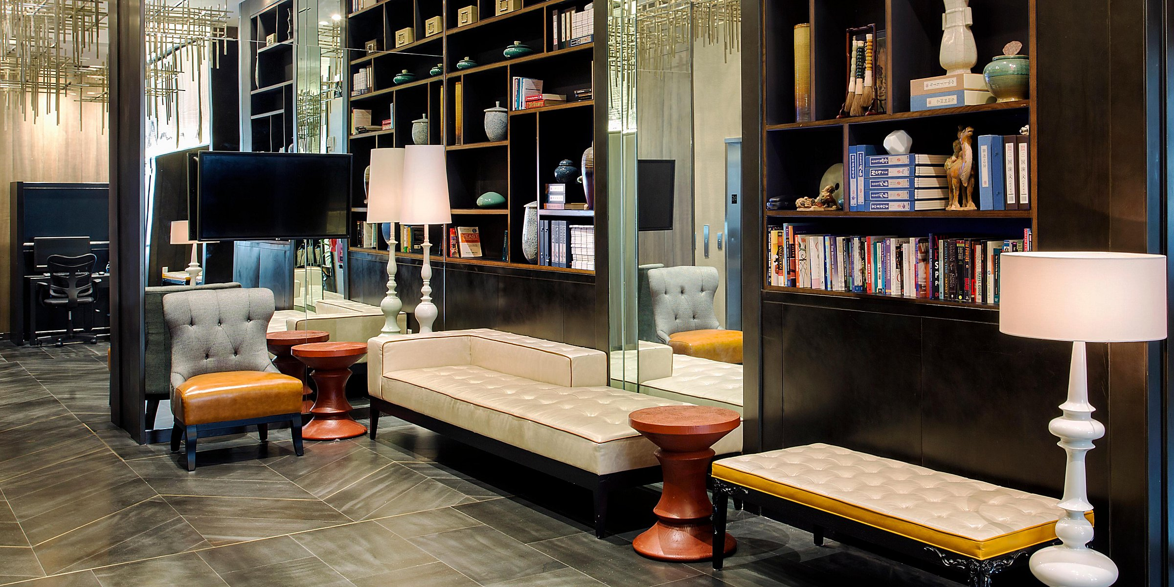 Hotels in Lower Manhattan NYC   Holiday Inn Manhattan
