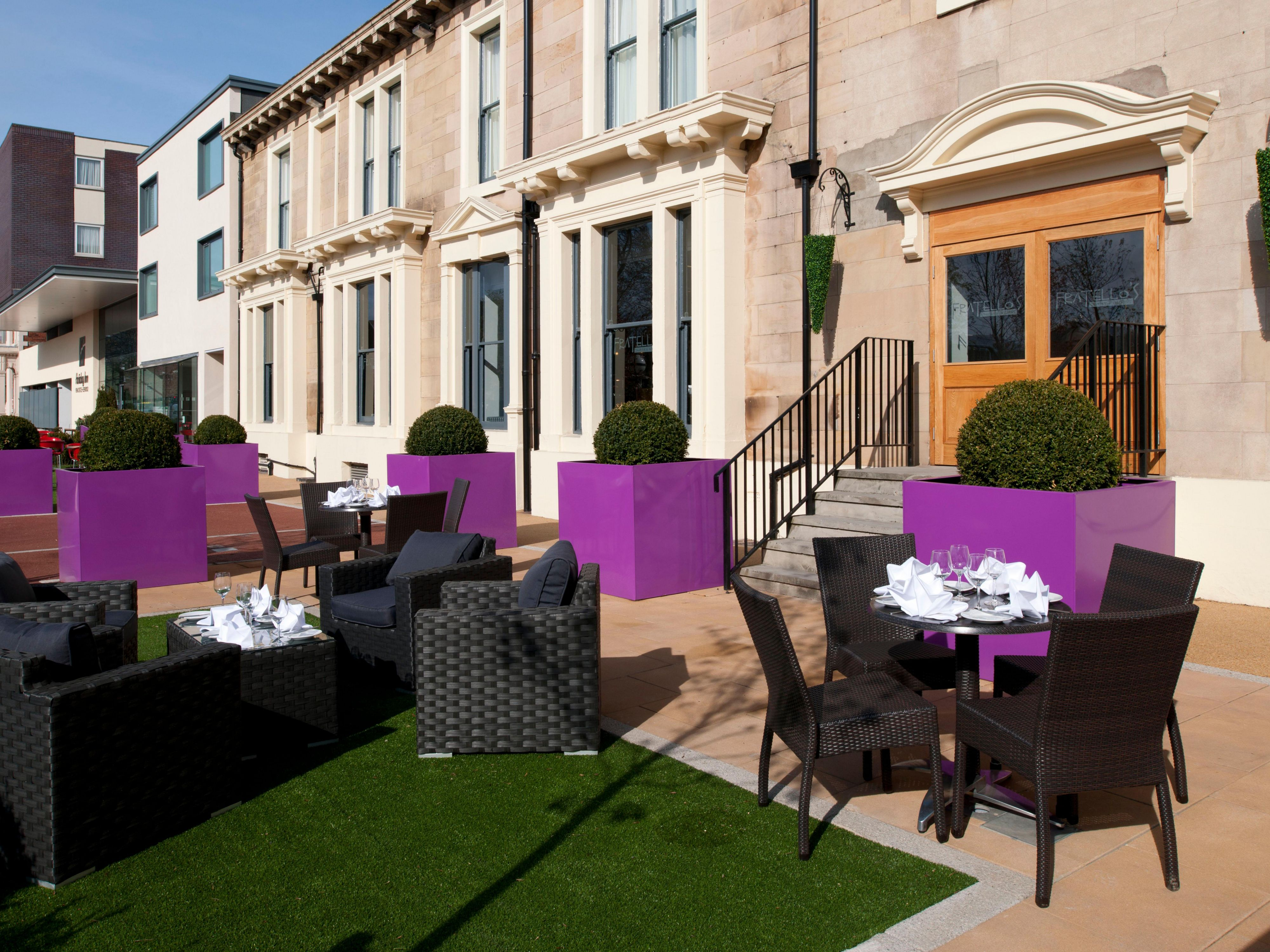 Holiday Inn Newcastle-Jesmond Outdoor Dining