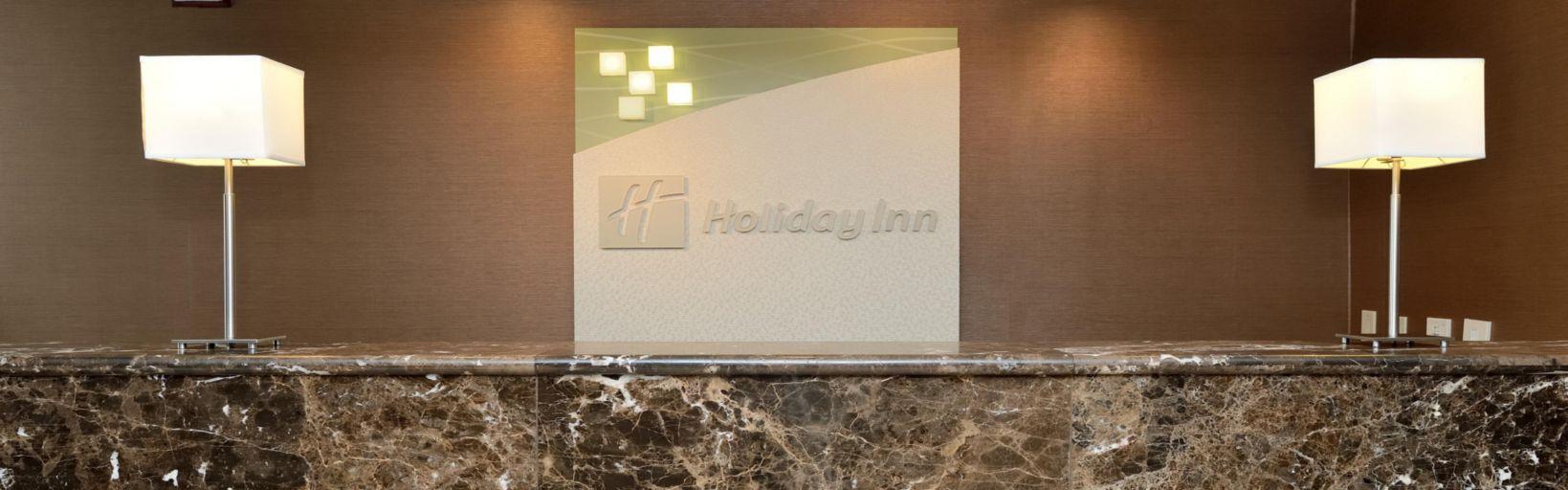 Holiday Inn Oak Brook Hotel Near Center