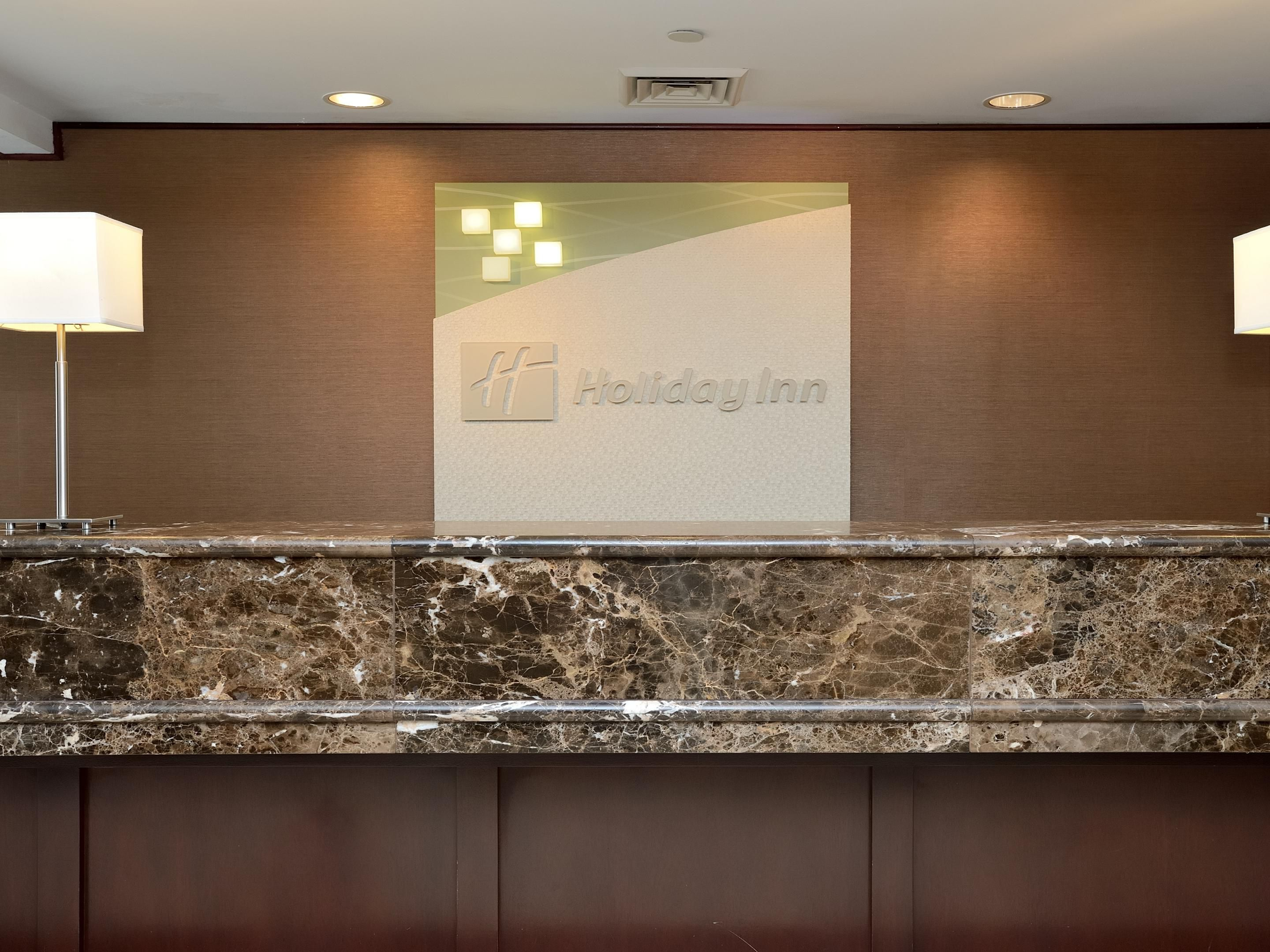 Holiday Inn Oak Brook Hotel Near Oak Brook Center