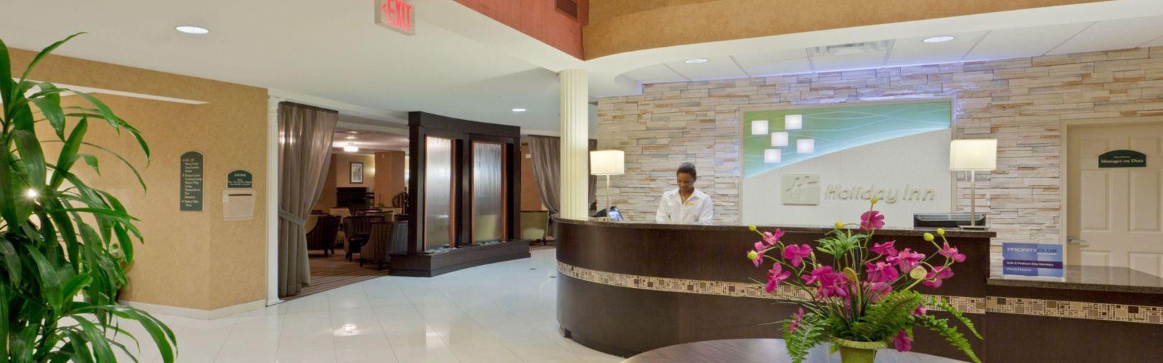 Main Lobby Hotel Exterior