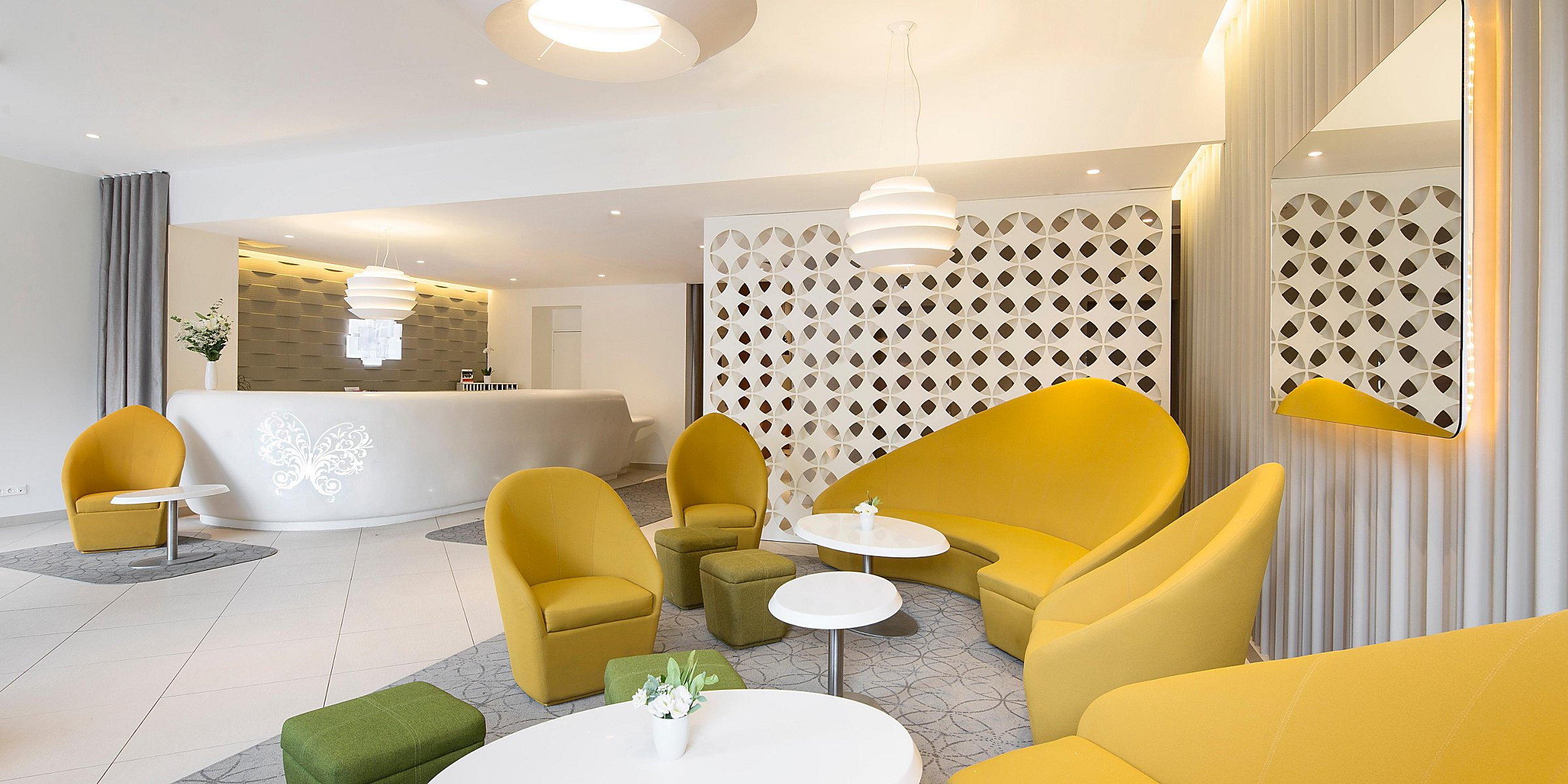 Family Friendly Hotels Near Gare Du Nord Holiday Inn Paris