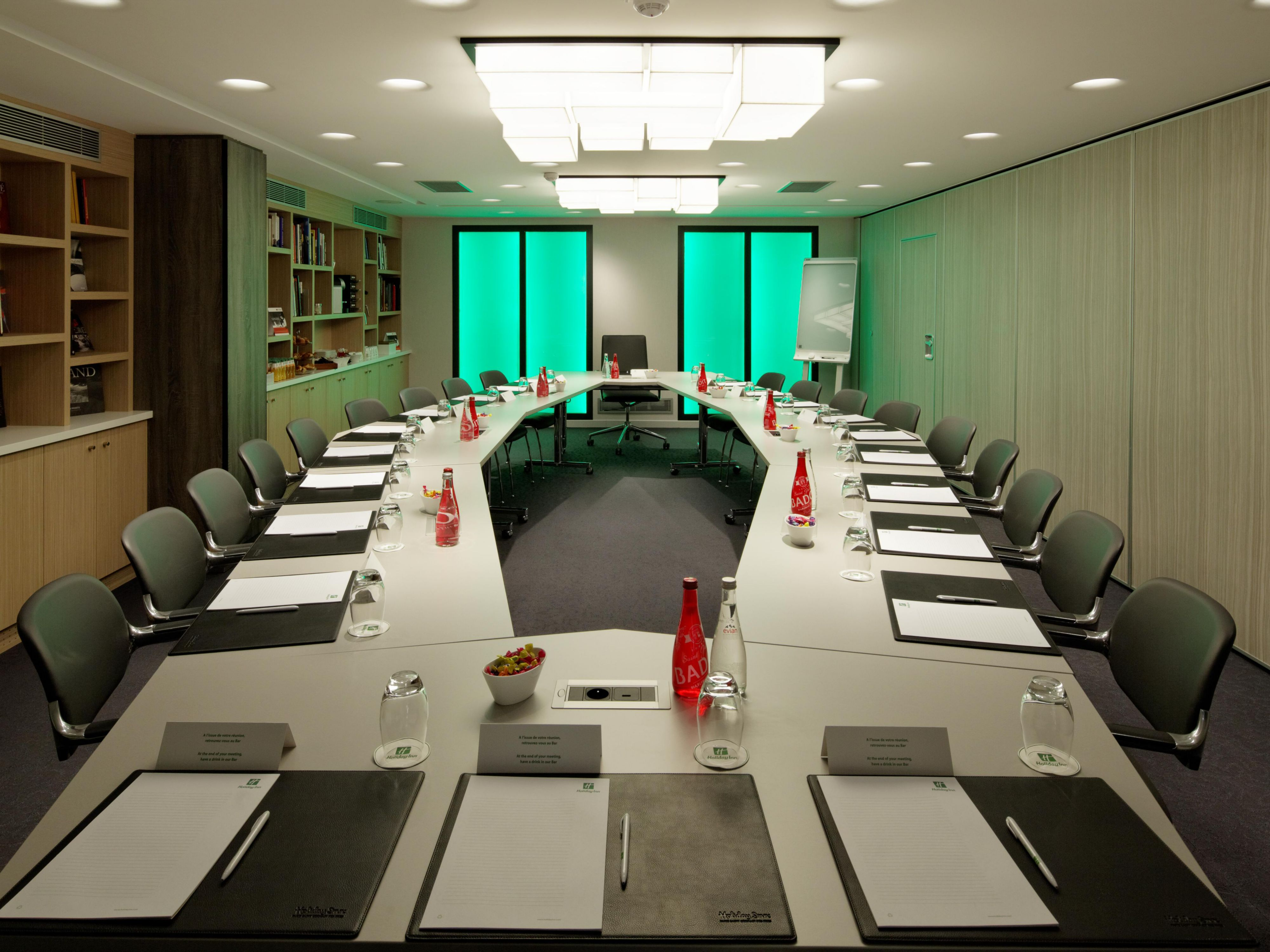 Meeting Room Descartes with Living Colors Lighting System