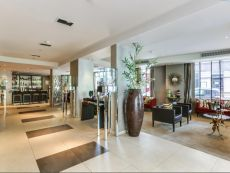 Holiday Inn París - Elysées in Paris-bougival, France