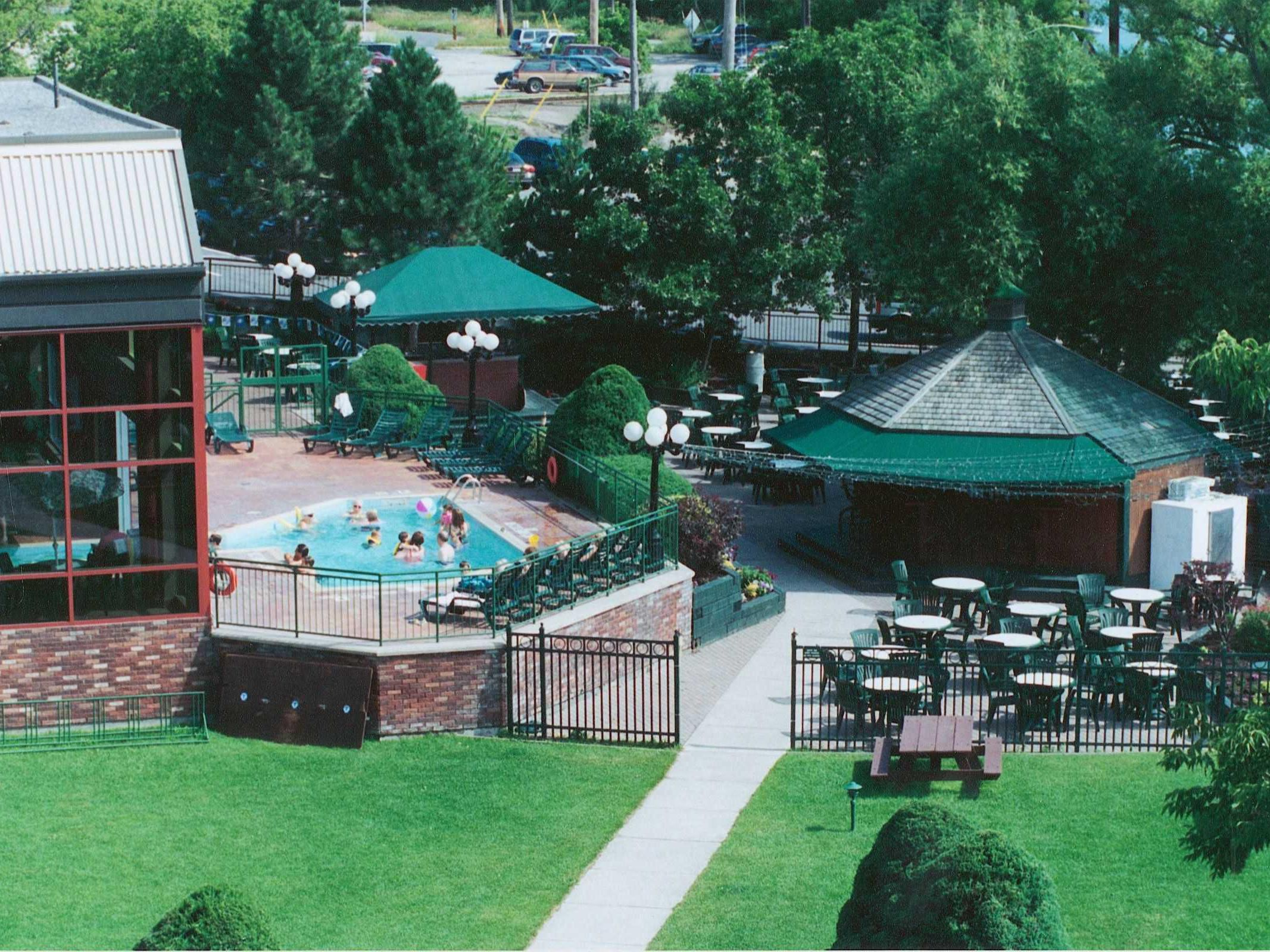 Holiday Inn Peterborough Waterfront Outdoor Pool & Patio