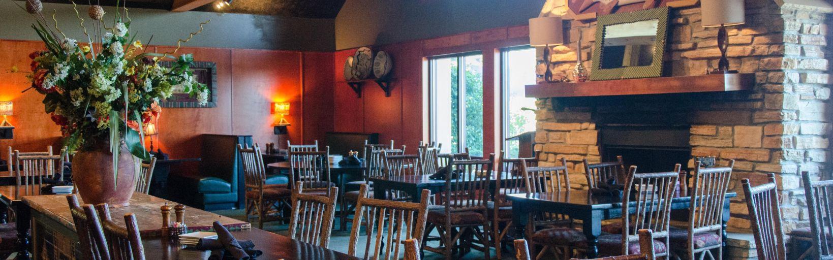 Dining At Thunder Bay Restaurant In Holiday Inn Pewaukee