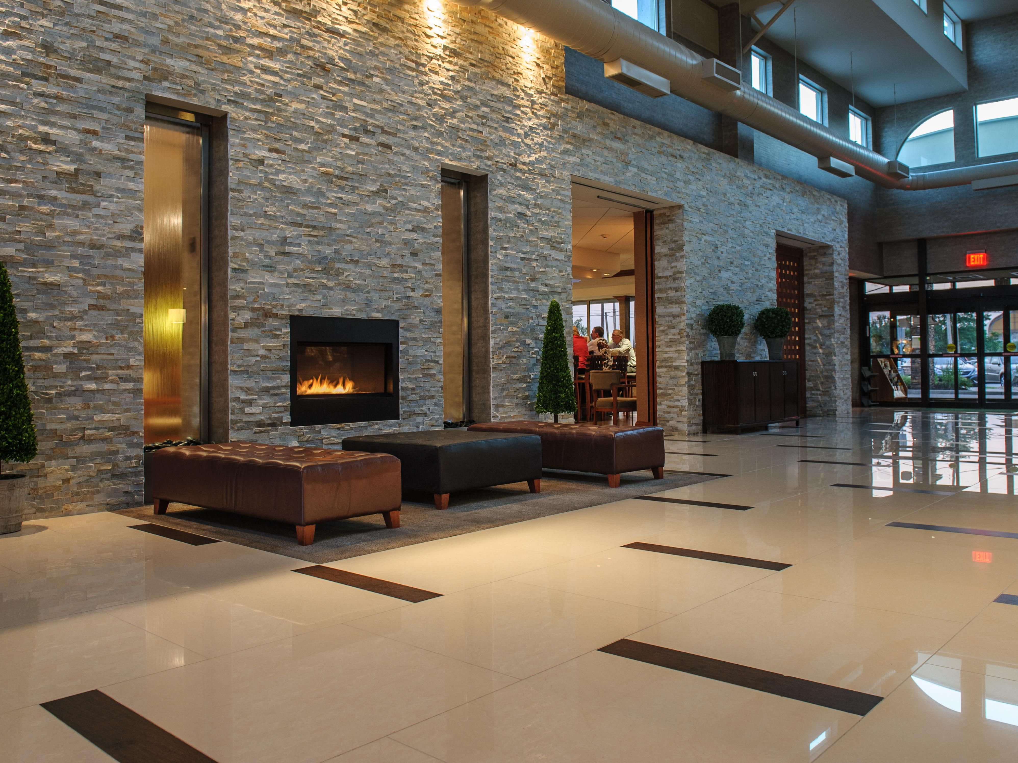 Warm & Inviting Hotel Lobby