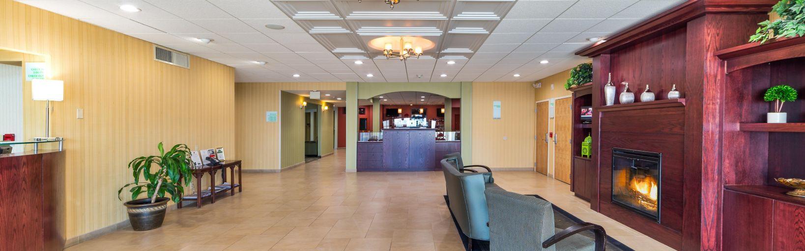 Plattsburgh Airport Hotel Exterior Lobby