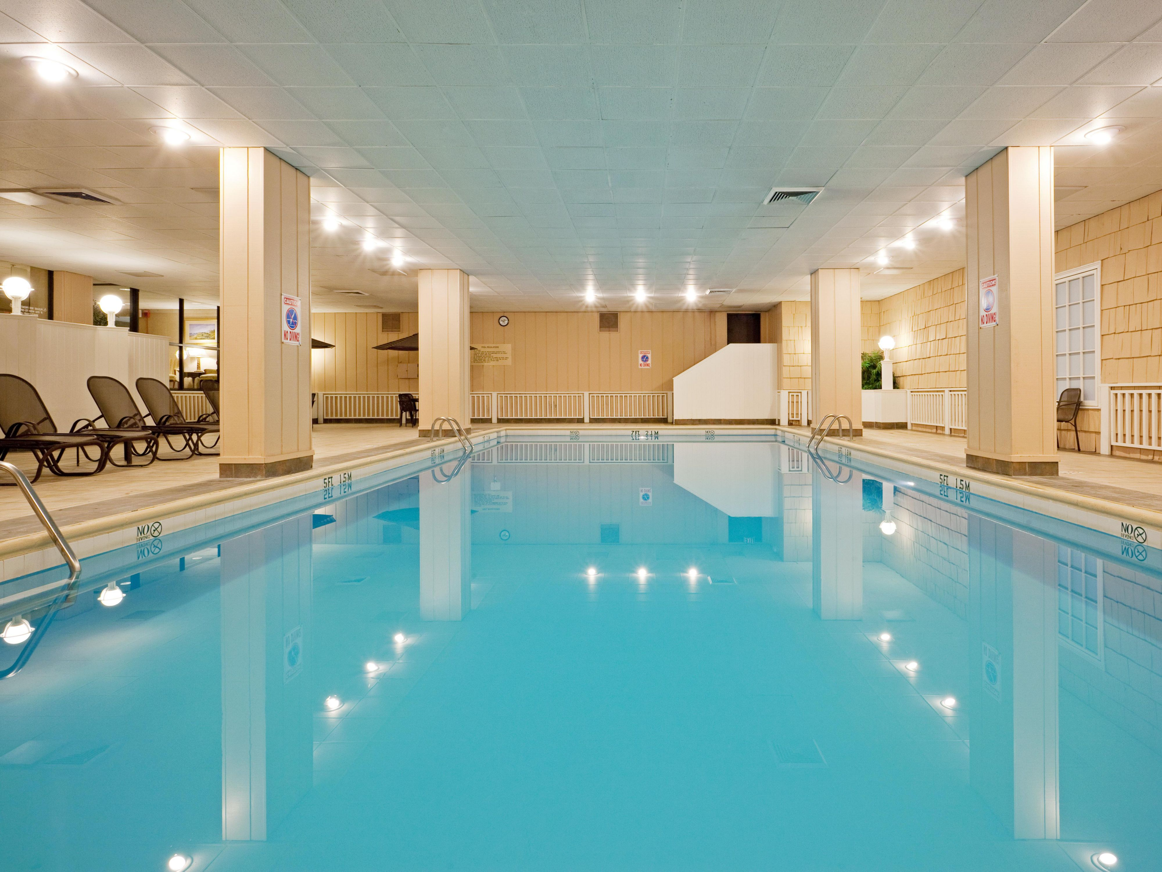 Swimming pool with sauna and Fitness Center